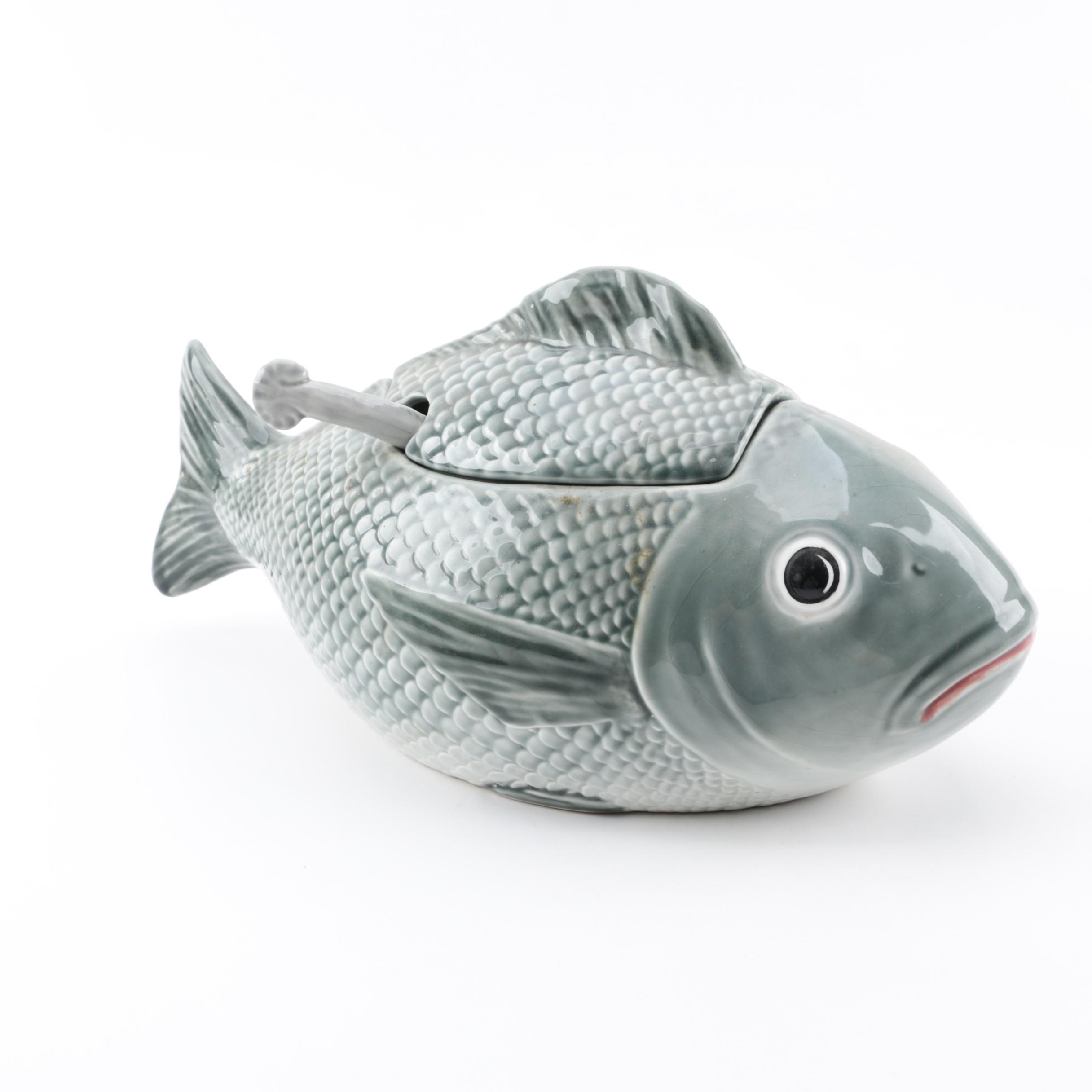 Faianças Belo Portuguese Majolica Fish Tureen
