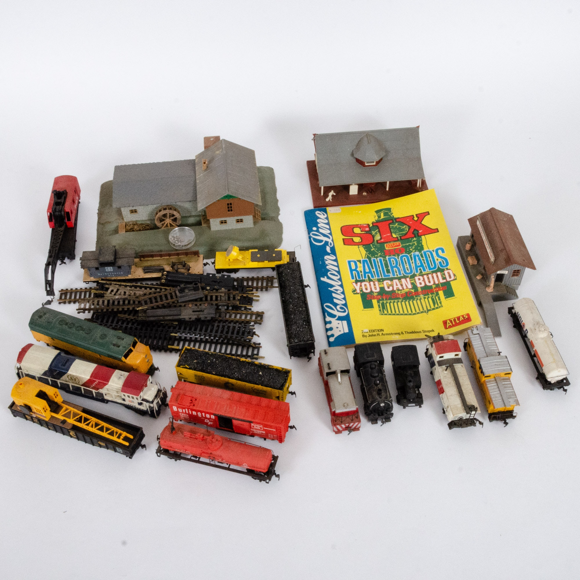 Vintage HO Trains, Tracks and Accessories