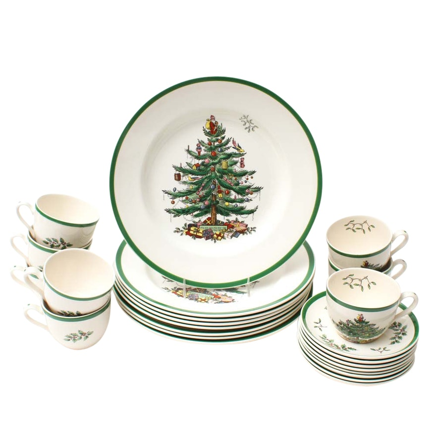 Spode Christmas Plates.Spode Christmas Tree Teacups Saucers And Plates