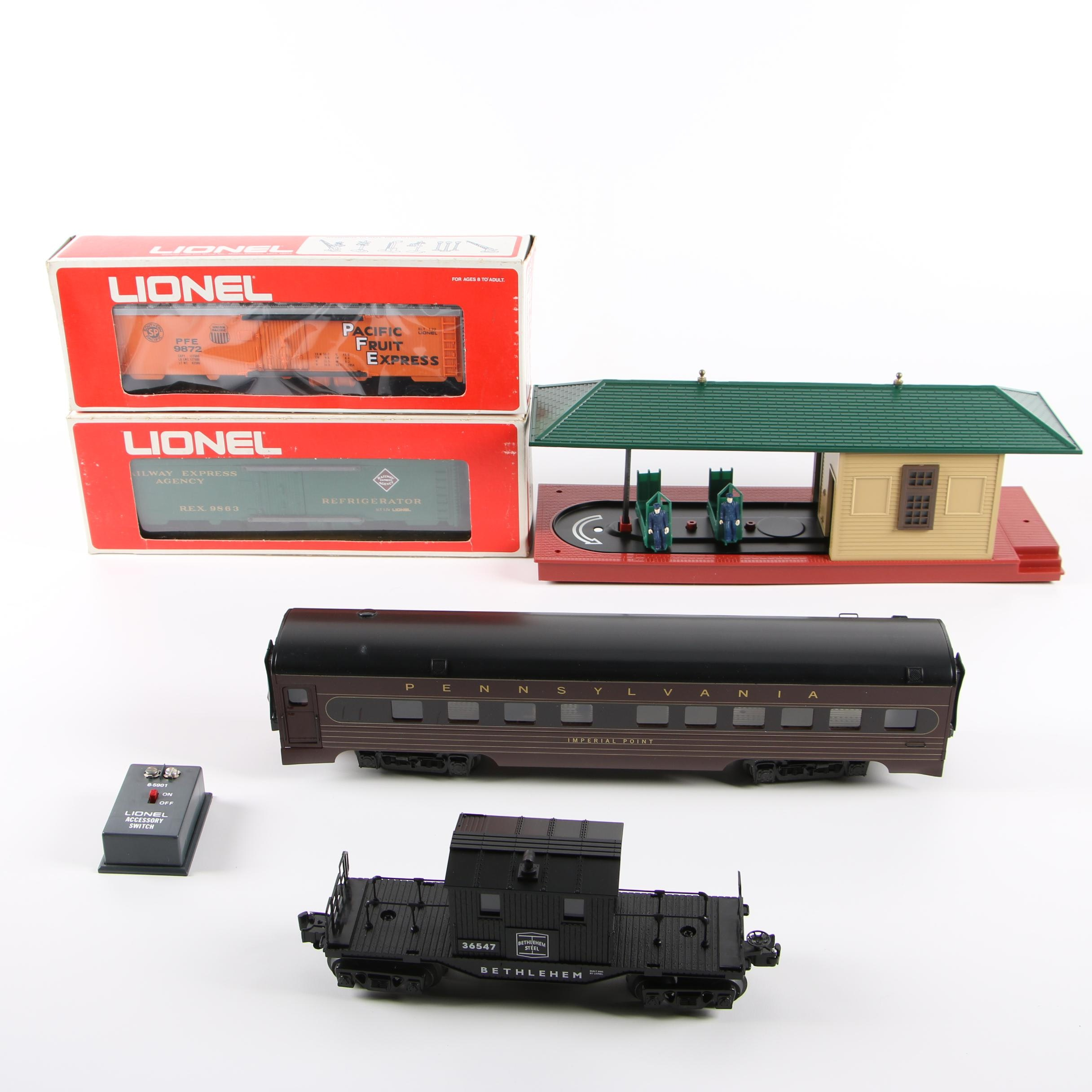 Lionel and K-Line Train Cars with Accessories