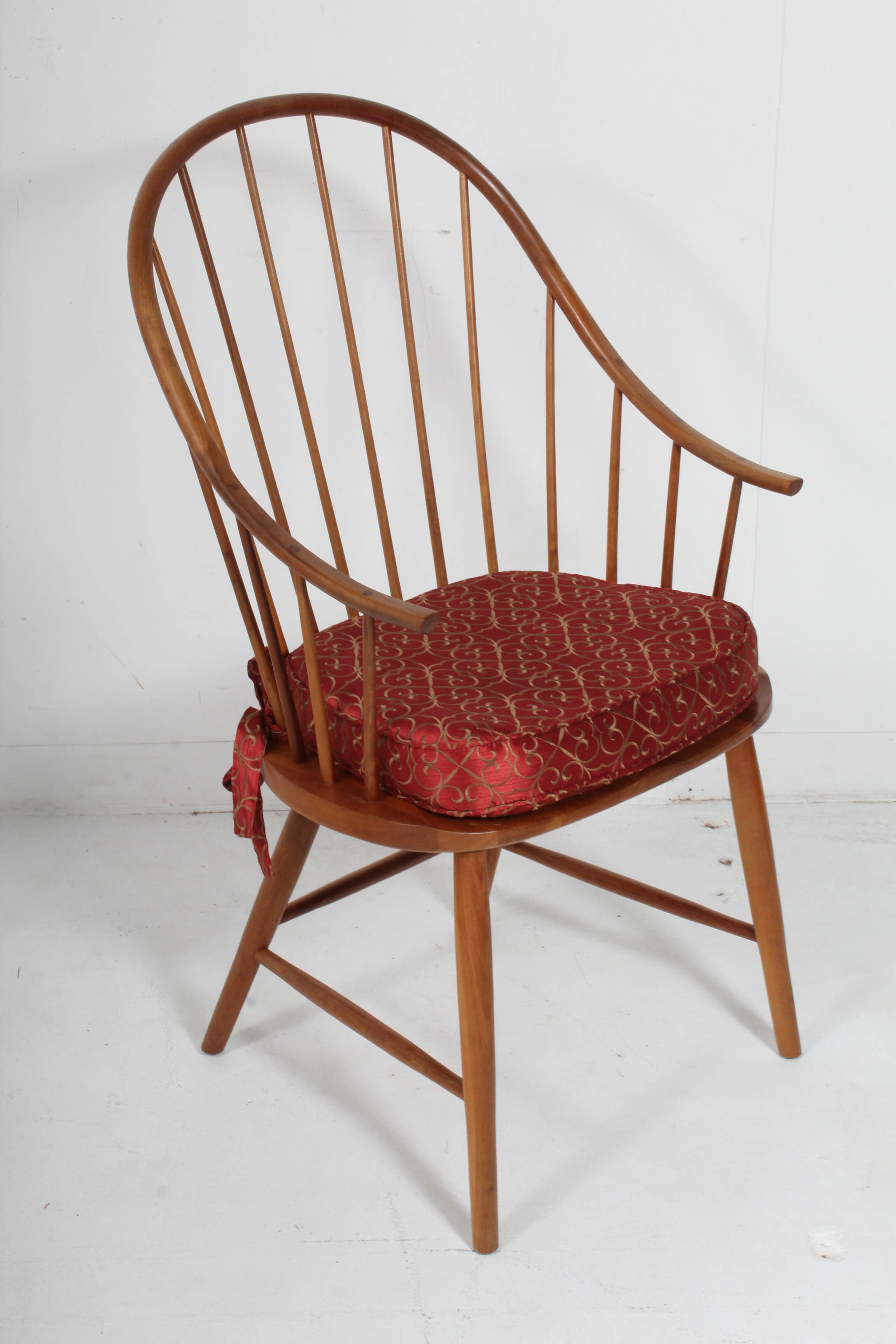Handcrafted Cherry Continuous Arm Windsor Chair, 20th Century