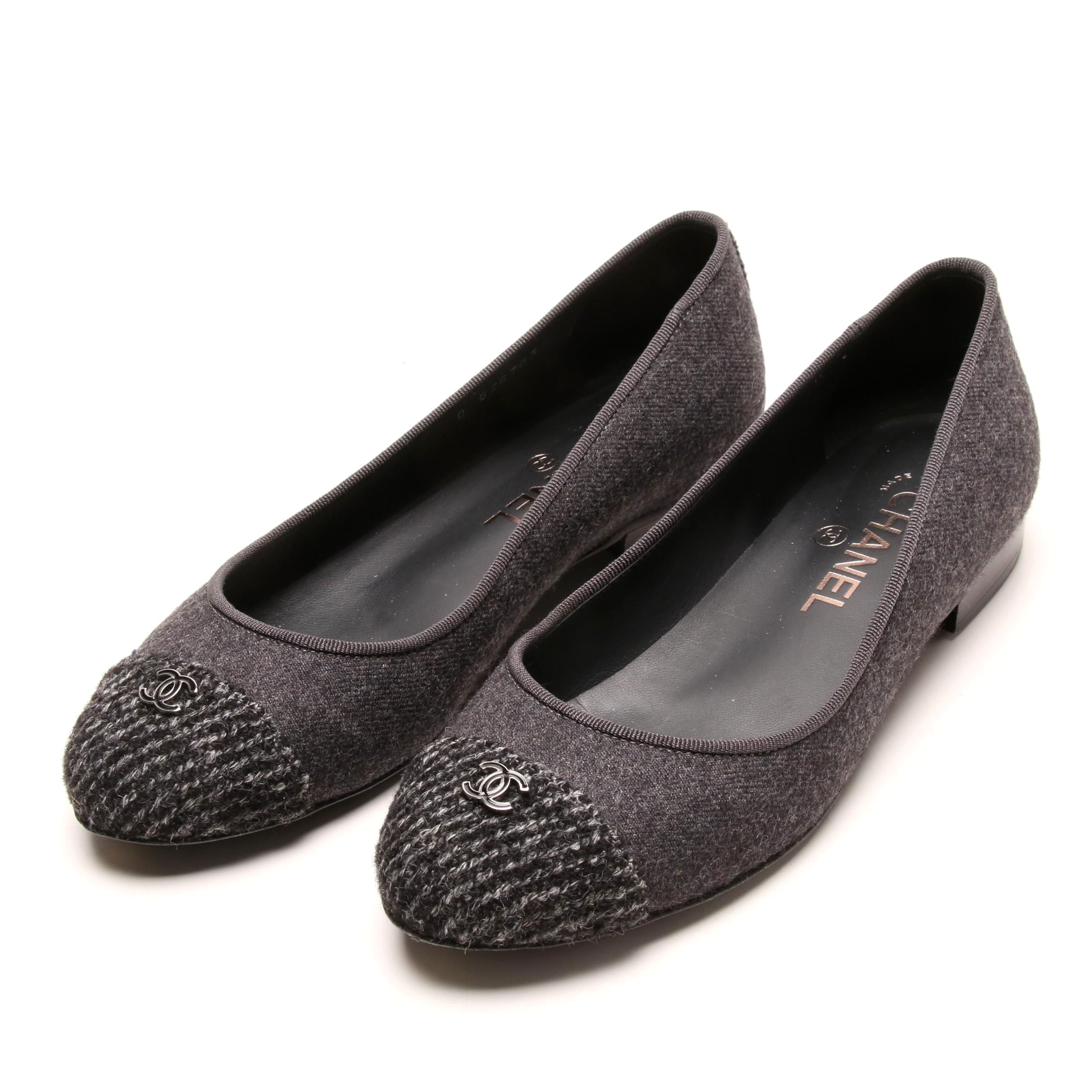 Chanel Gray Flannel Ballerines Flats