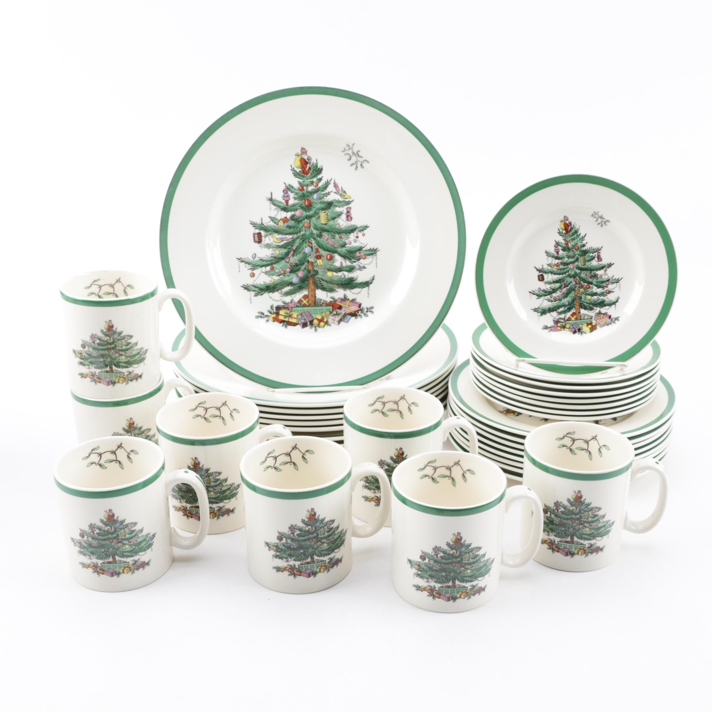 "Spode ""Christmas Tree"" Earthenware Dinnerware for Eight"