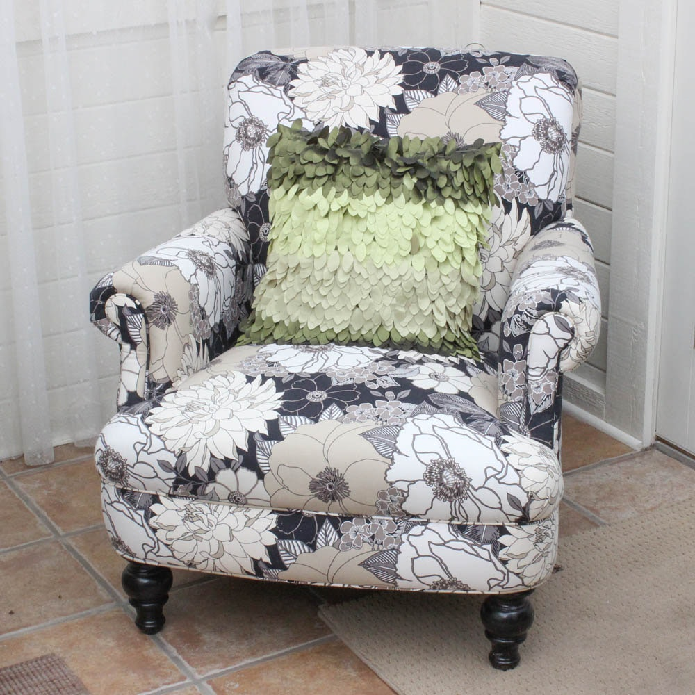 FrontRoom Furnishings Floral Upholstered Armchair