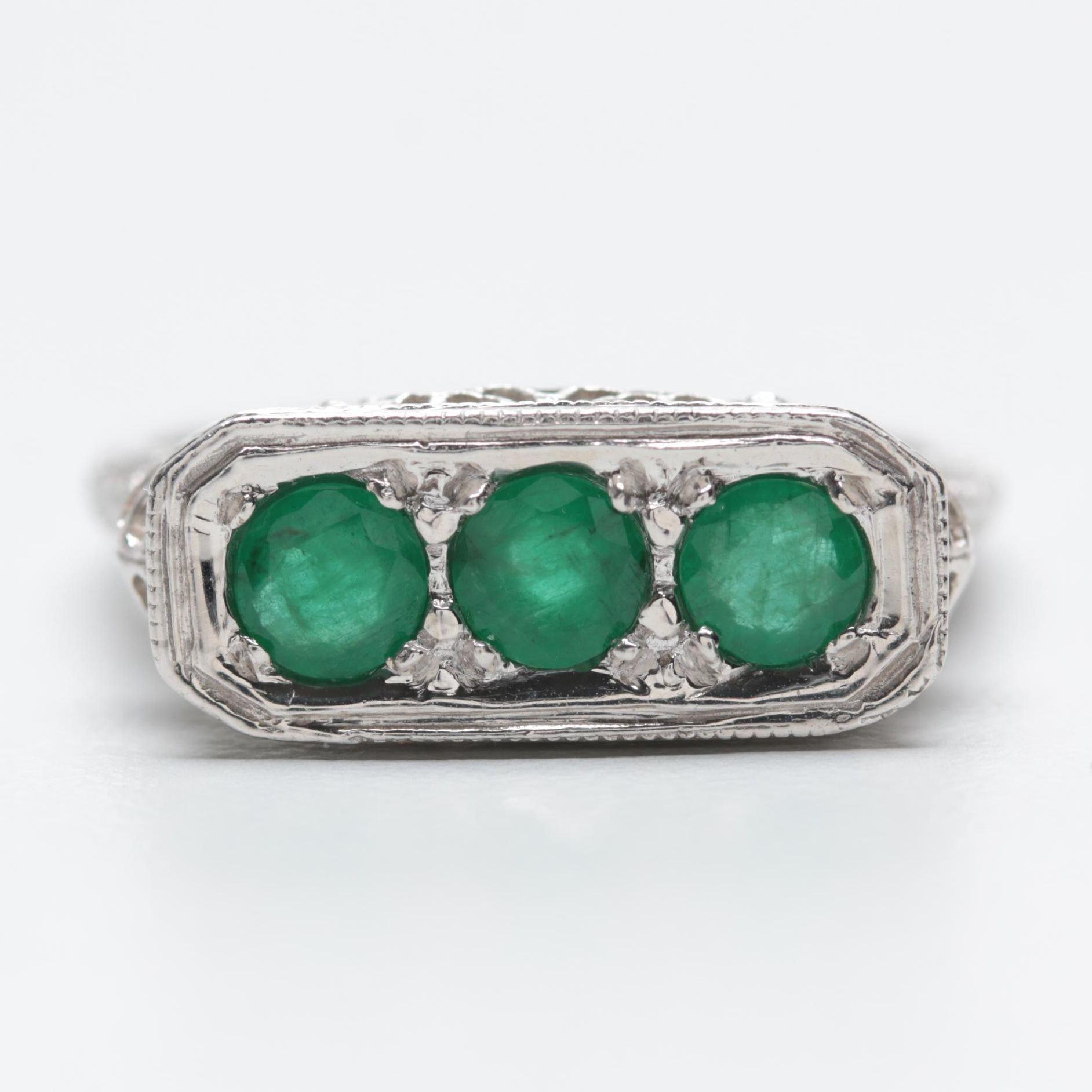 Art Deco 14K White Gold Emerald Ring