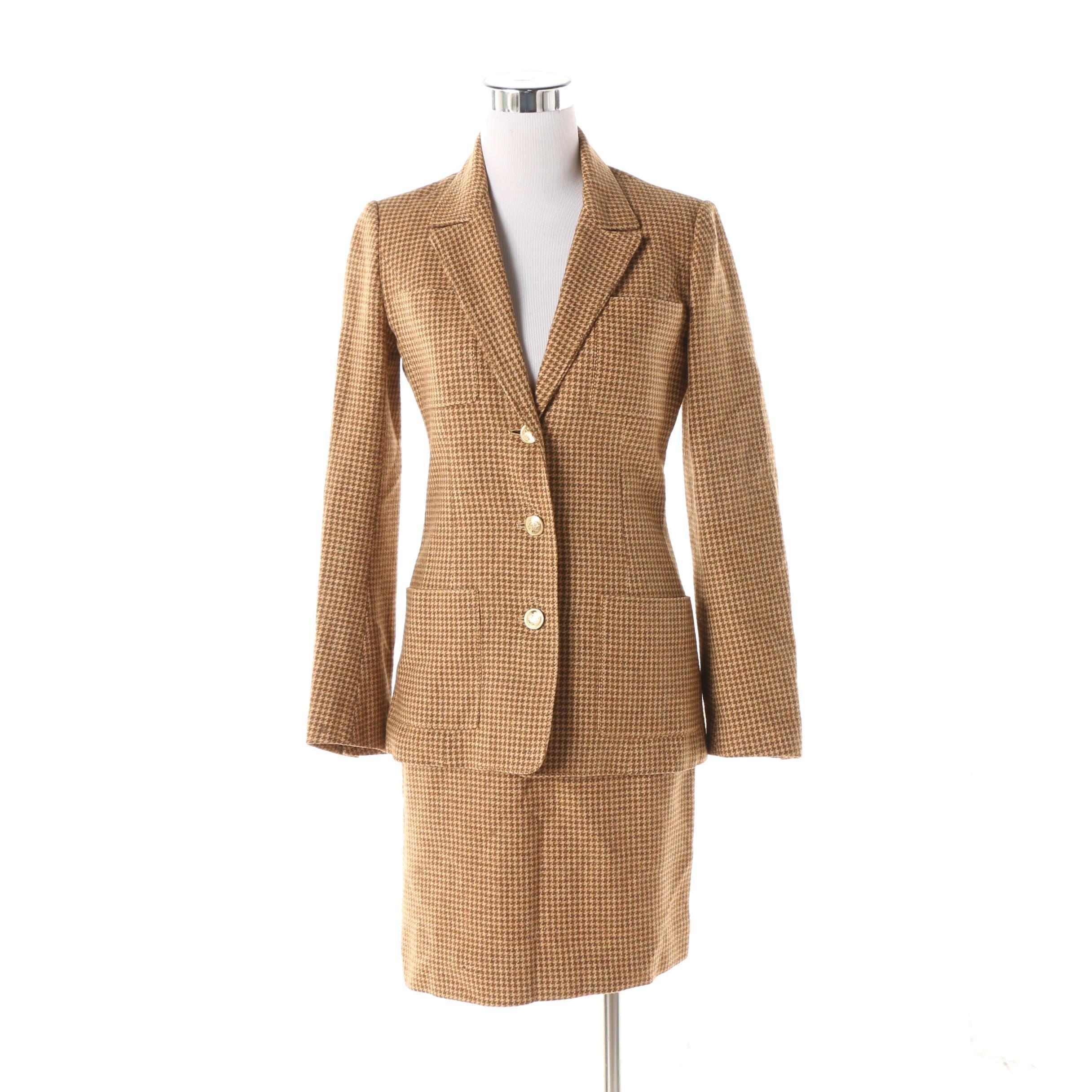 Women's Circa 1970s Vintage Hermès of Paris Houndstooth Skirt Suit