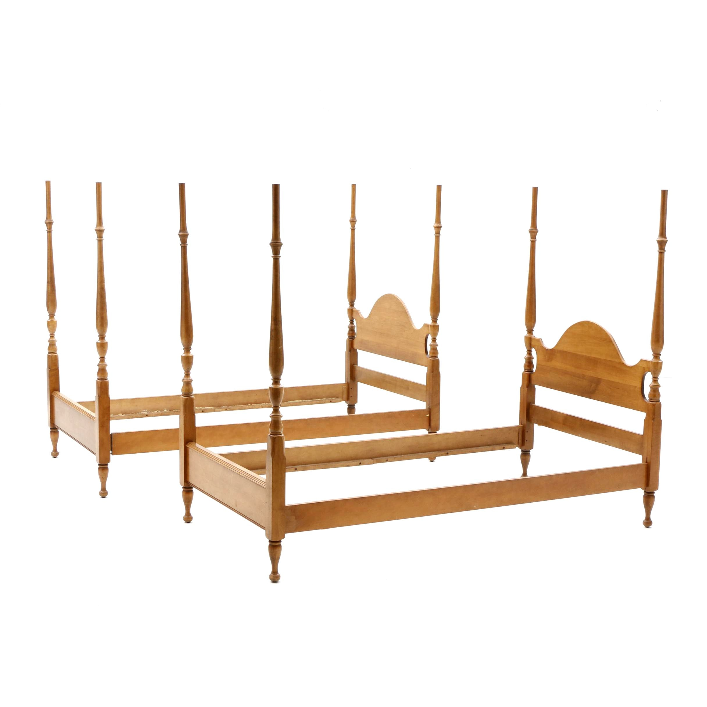 Pair of Federal Style Twin Four Poster Bed Frames, 20th Century