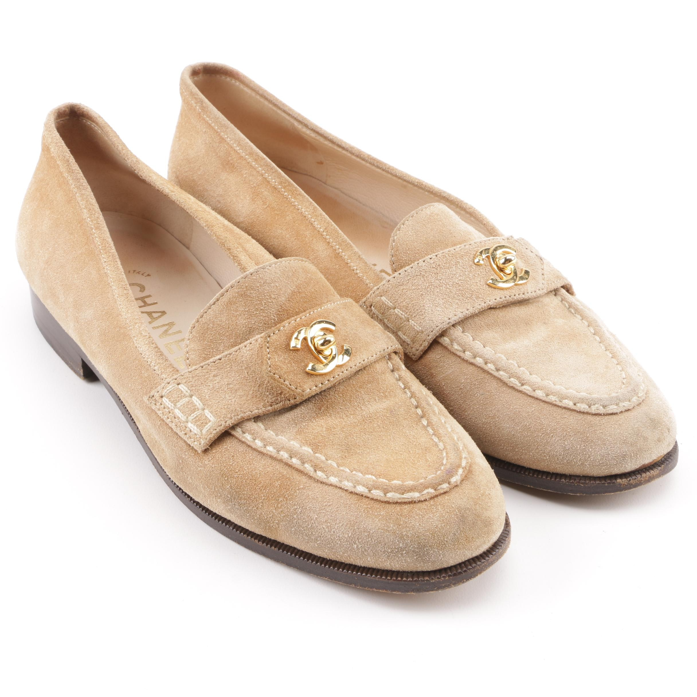 Women's Vintage Chanel Beige Suede CC Turn Lock Loafers