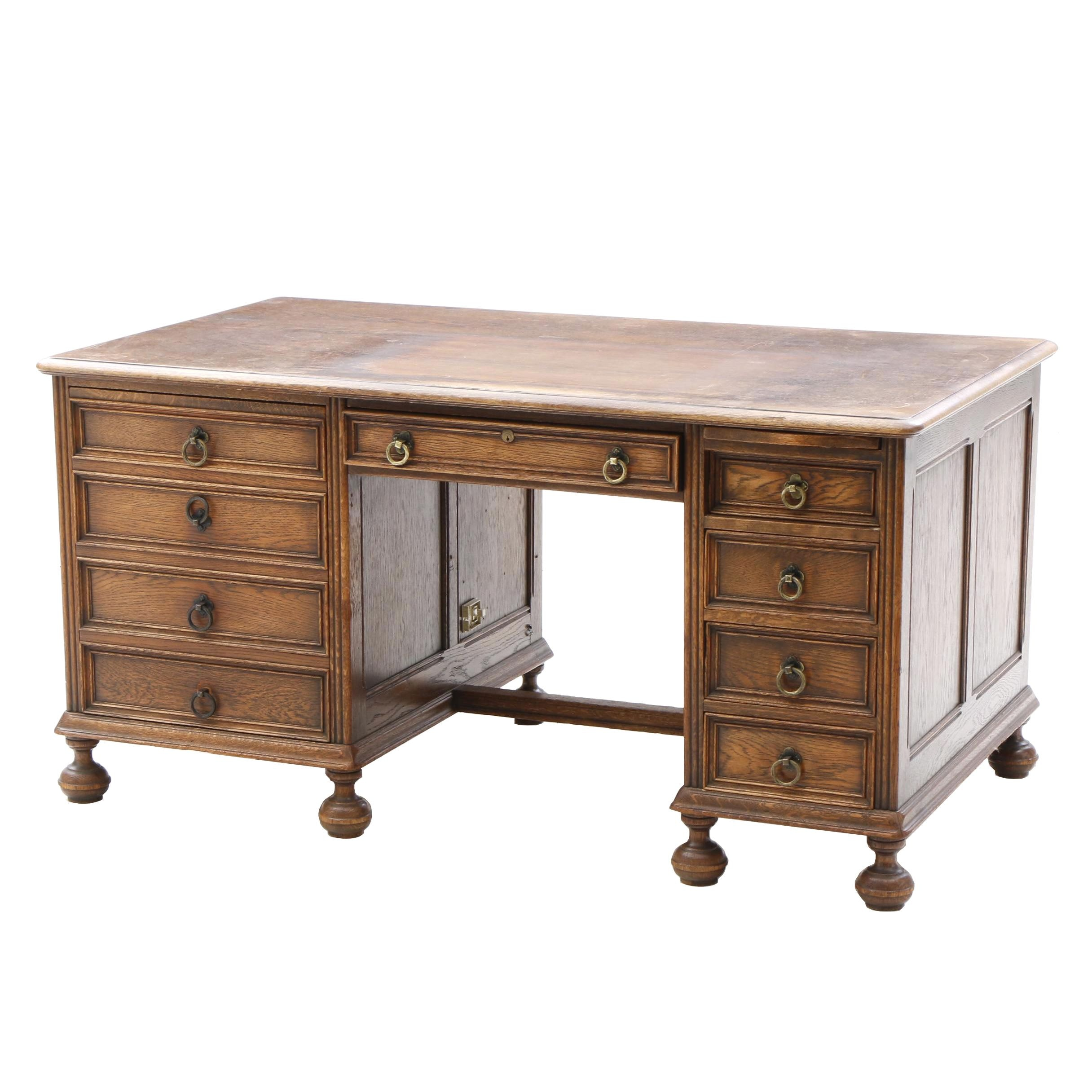 William and Mary Style Oak Kneehole Desk, Circa 1920