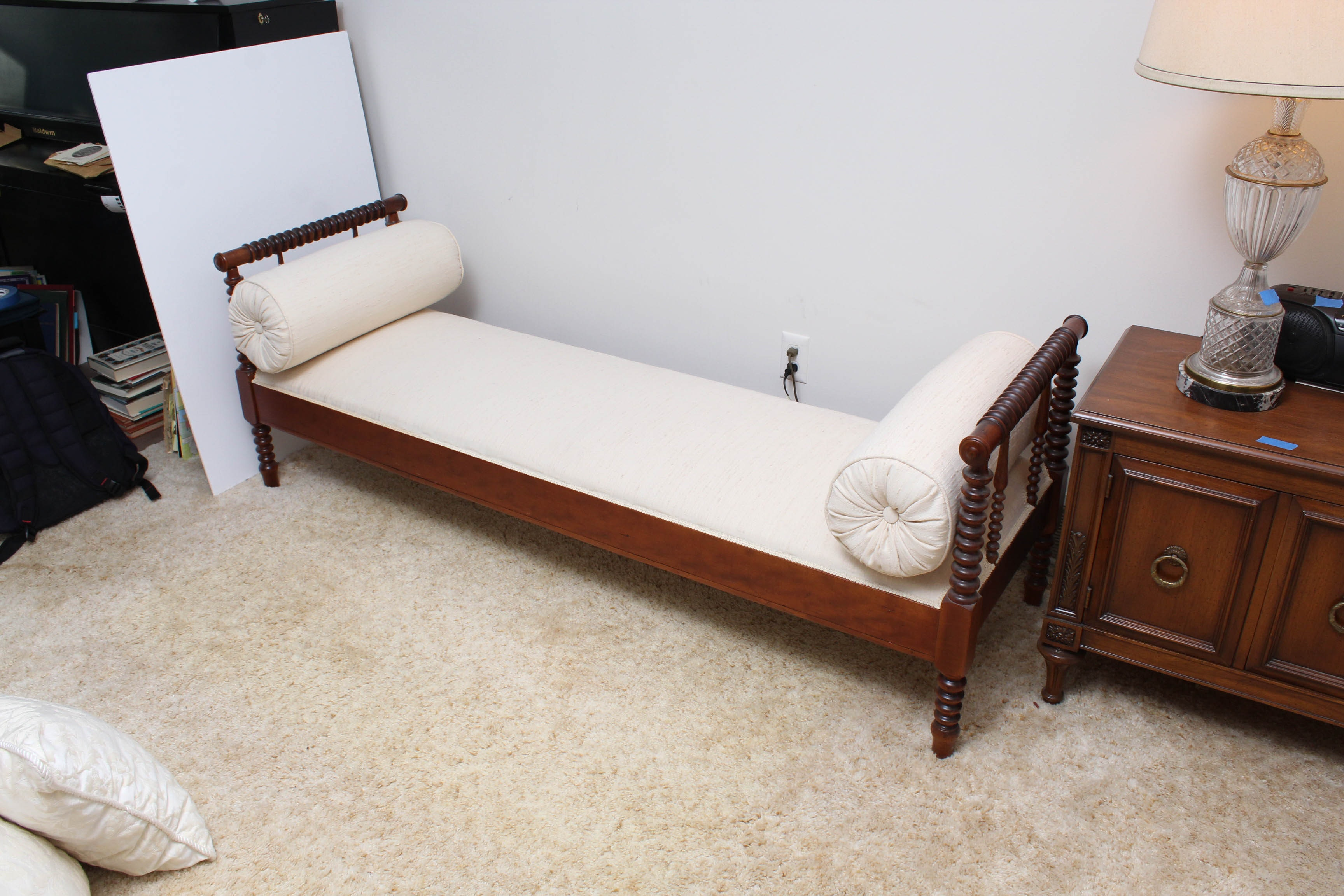 Antique Jenny Lind Style Day Bed