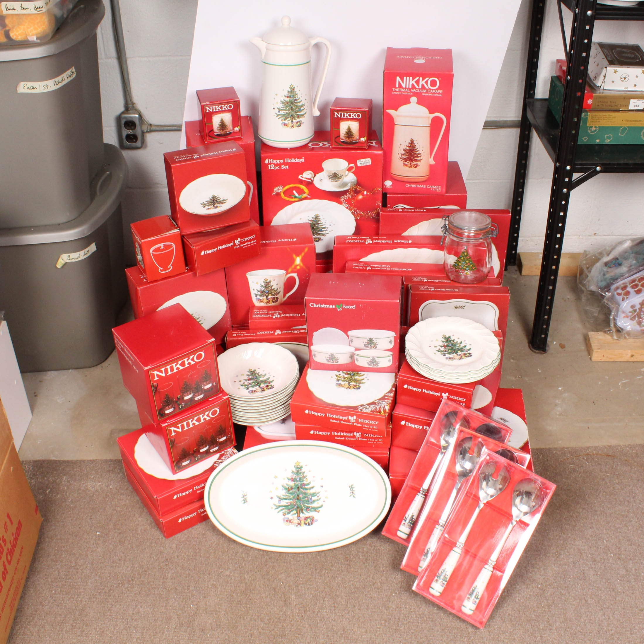 "Nikko Ceramic Tableware ""Christmas"""