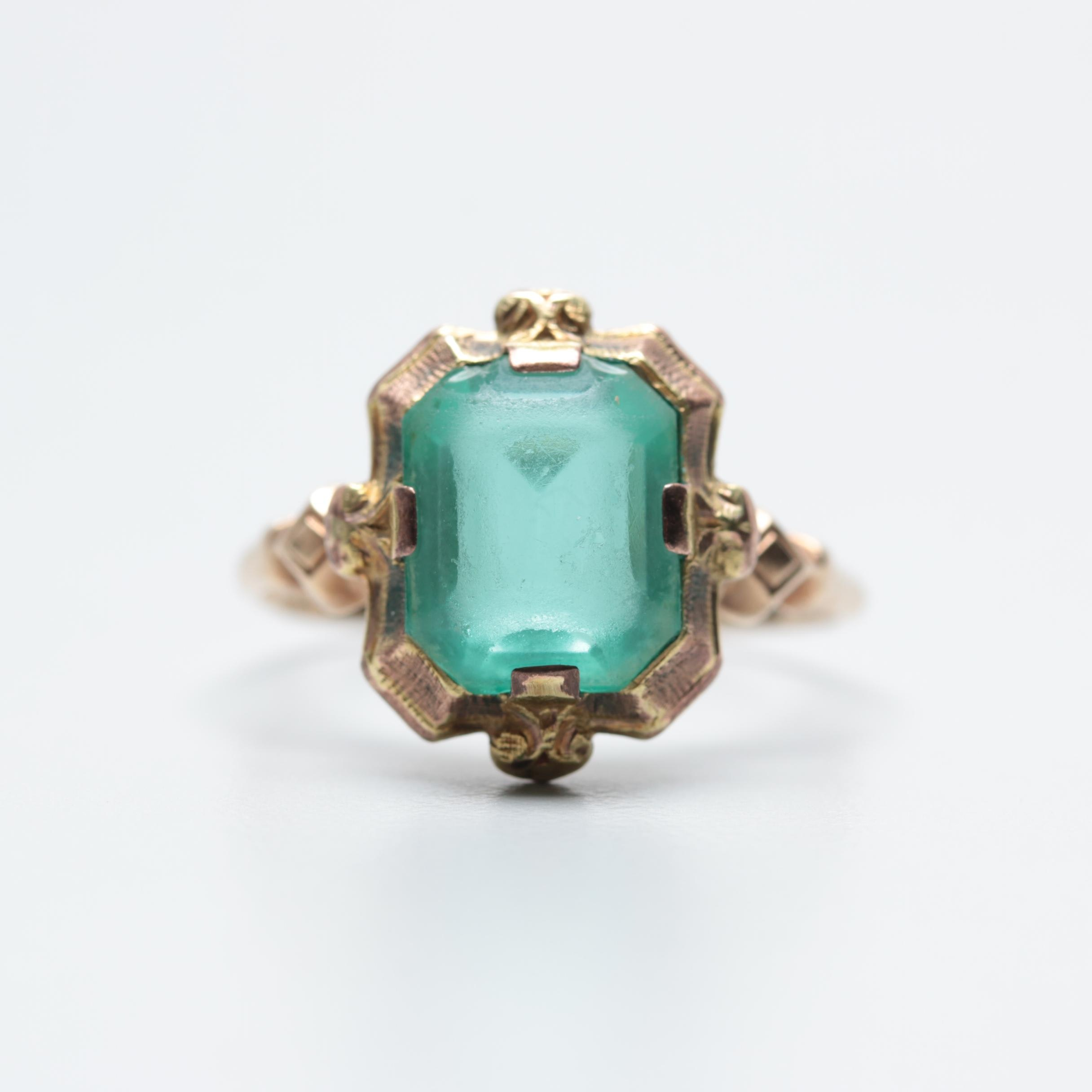 Vintage 10K Yellow Gold Green Glass Ring