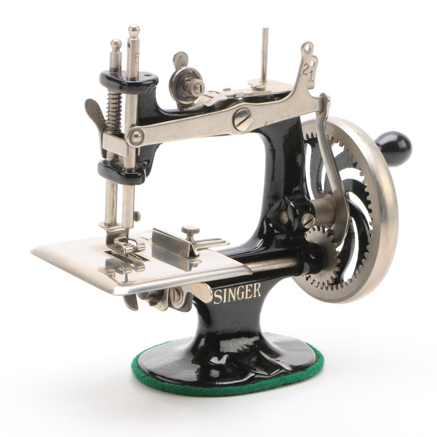 Singer Model 40 Sewing Machine For Children EBTH Cool Singer 20 Sewing Machine