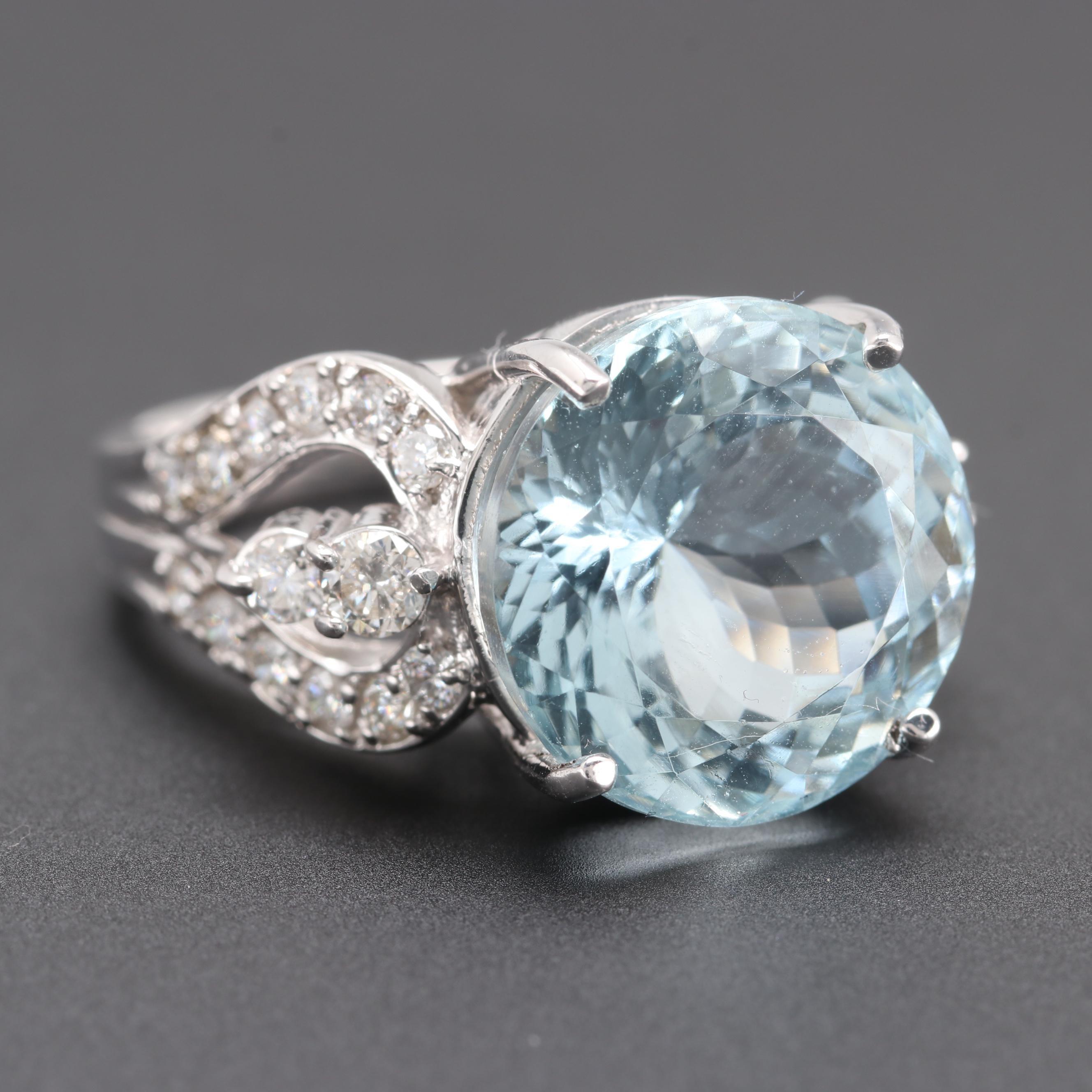 18K White Gold 9.50 CT Aquamarine and Diamond Ring