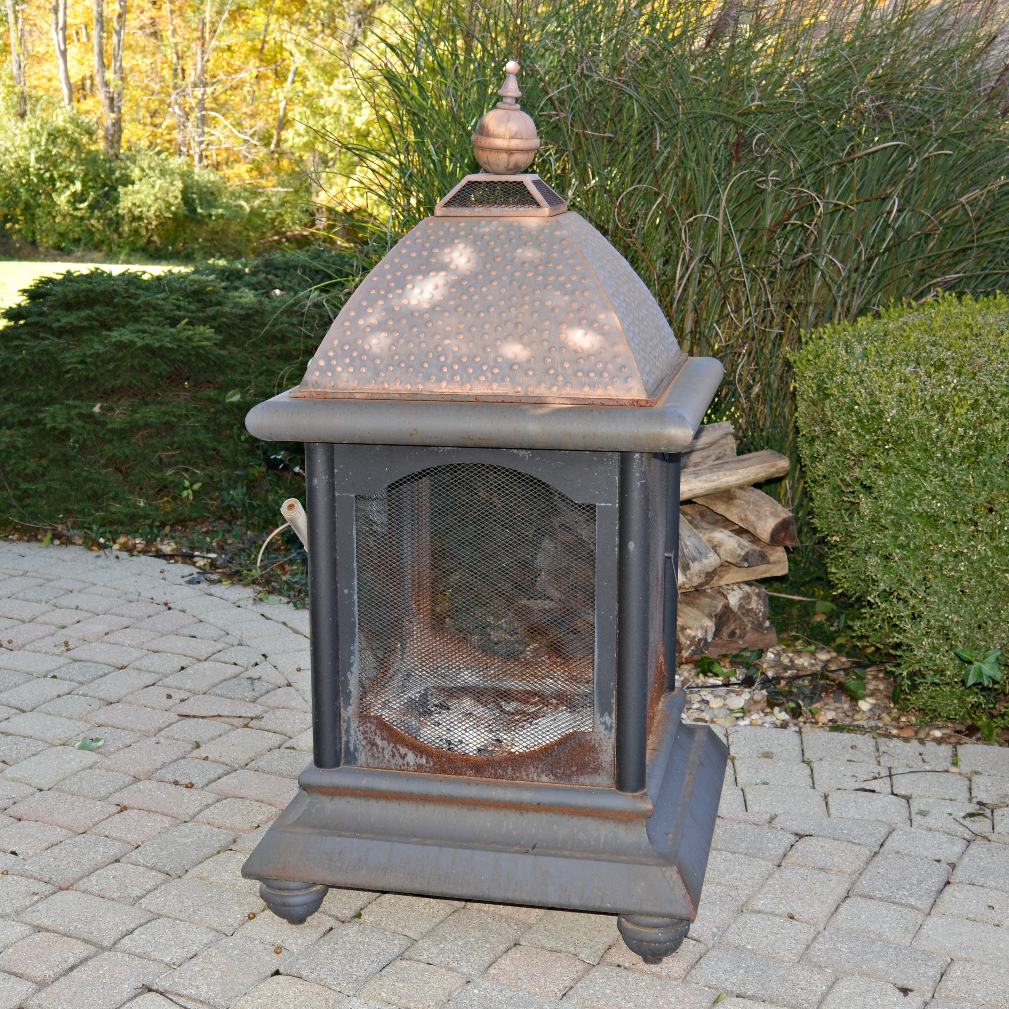 Lantern-Shaped Outdoor Fire Pit