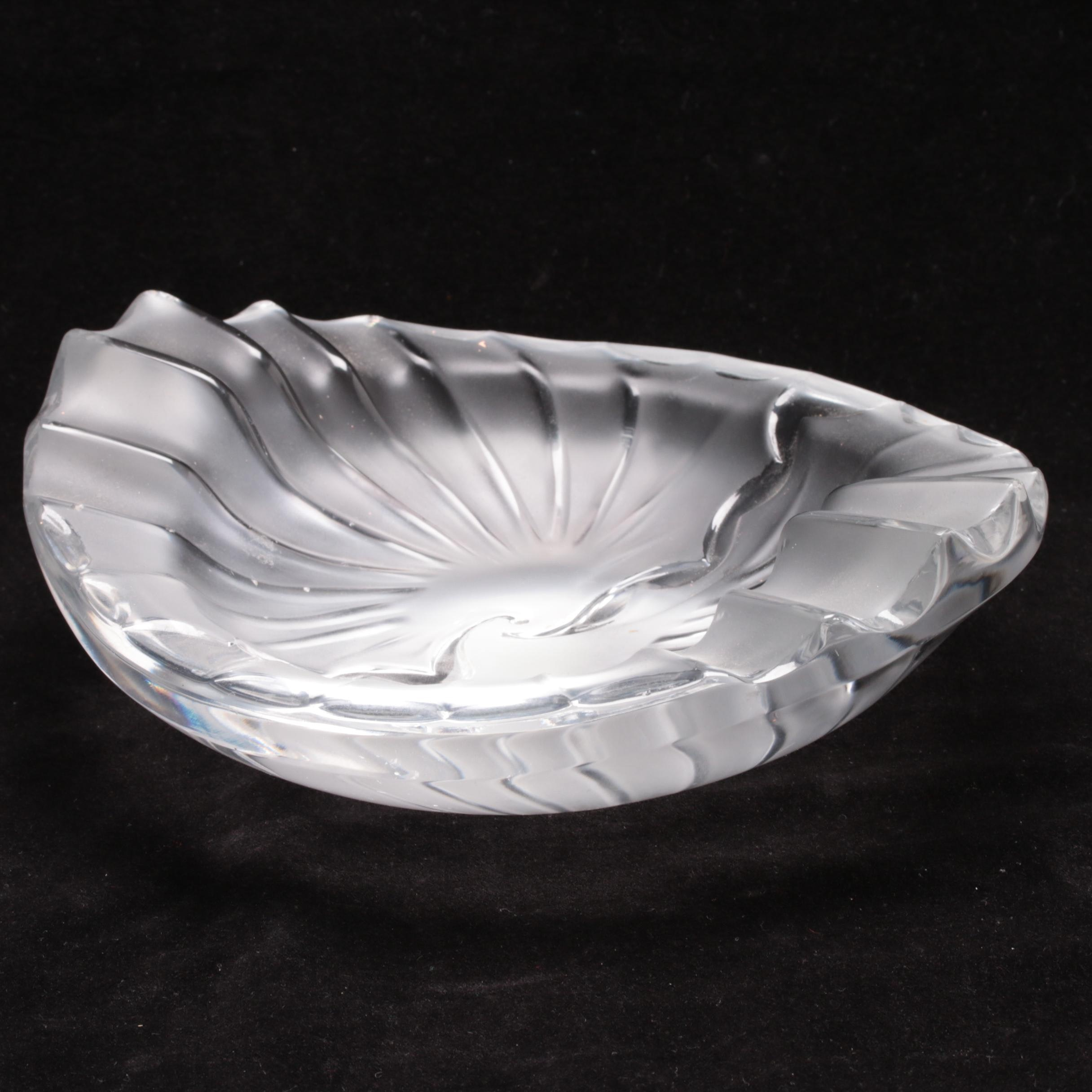 """Lalique """"Nancy"""" Crystal Ash Receiver"""