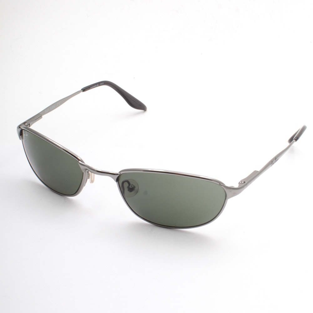 Ray-Ban Highstreet Silver Tone Frame Sunglasses with Case