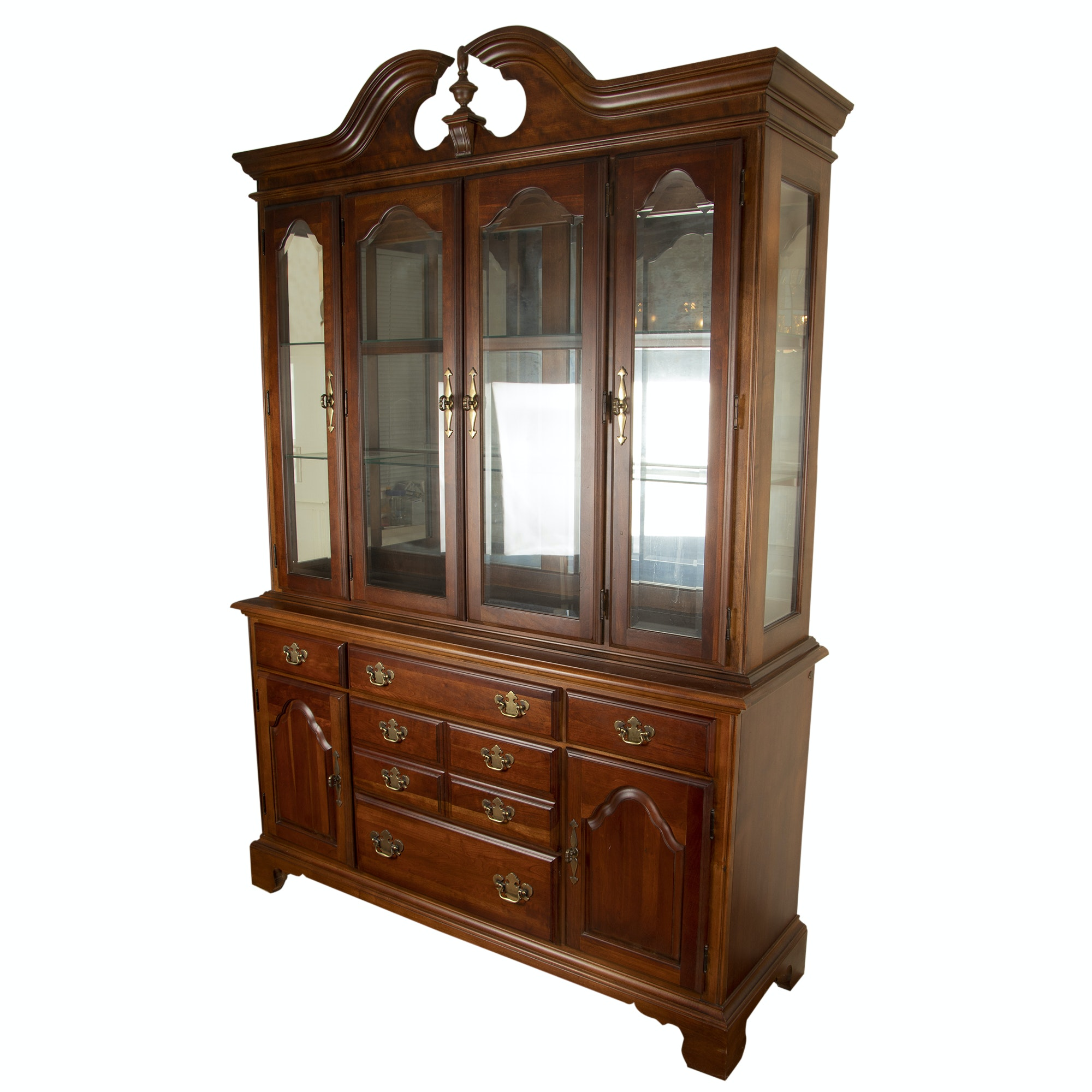 Federal Style Cherry Finish China Cabinet American Drew, Late 20th Century