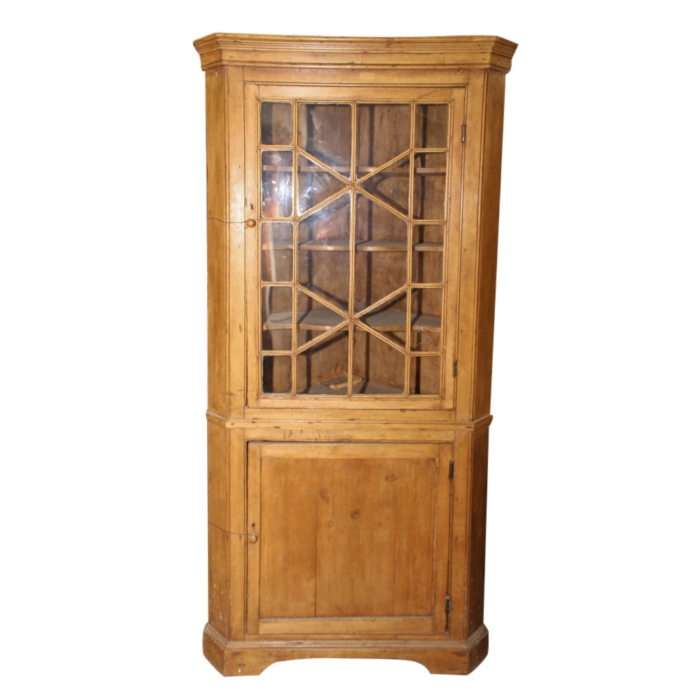George III Style, Maple Corner Cabinet, 19th Century
