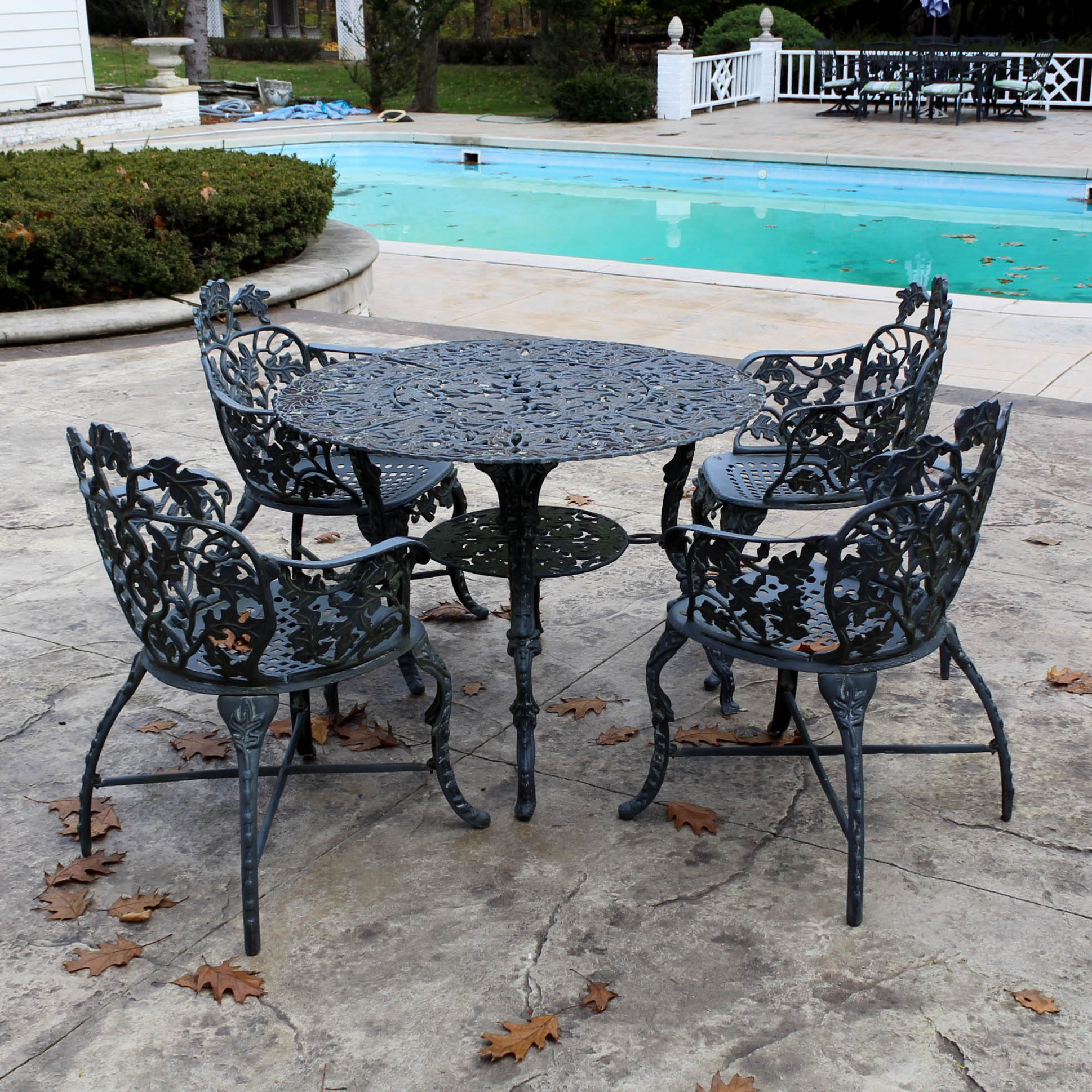 Painted Iron Patio Furniture Set, Late 20th Century