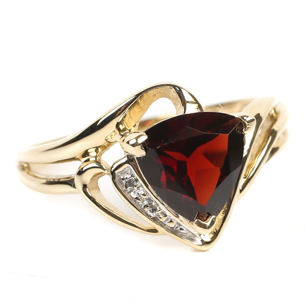 10K Yellow Gold 2.00 CT Garnet and Diamond Ring