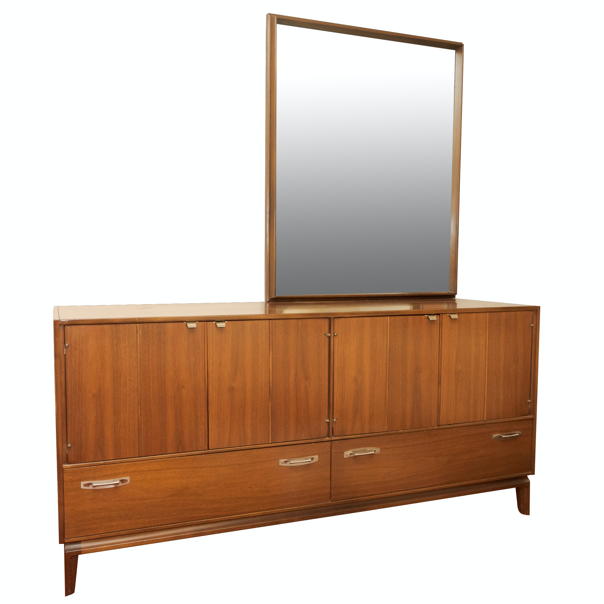Mid Century Modern Walnut Dresser by Red Lion Table Company, Mid-20th Century