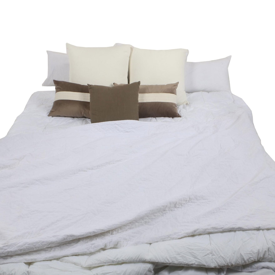 King Size Bedding With Throw Pillows