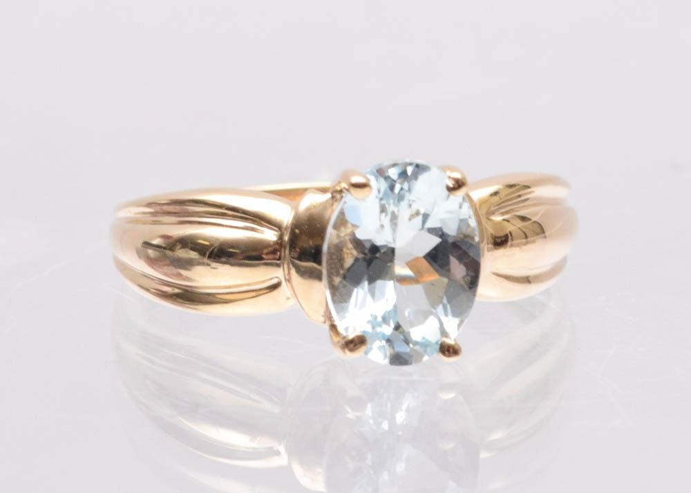 10K Yellow Gold 1.75 CT Aquamarine Ring