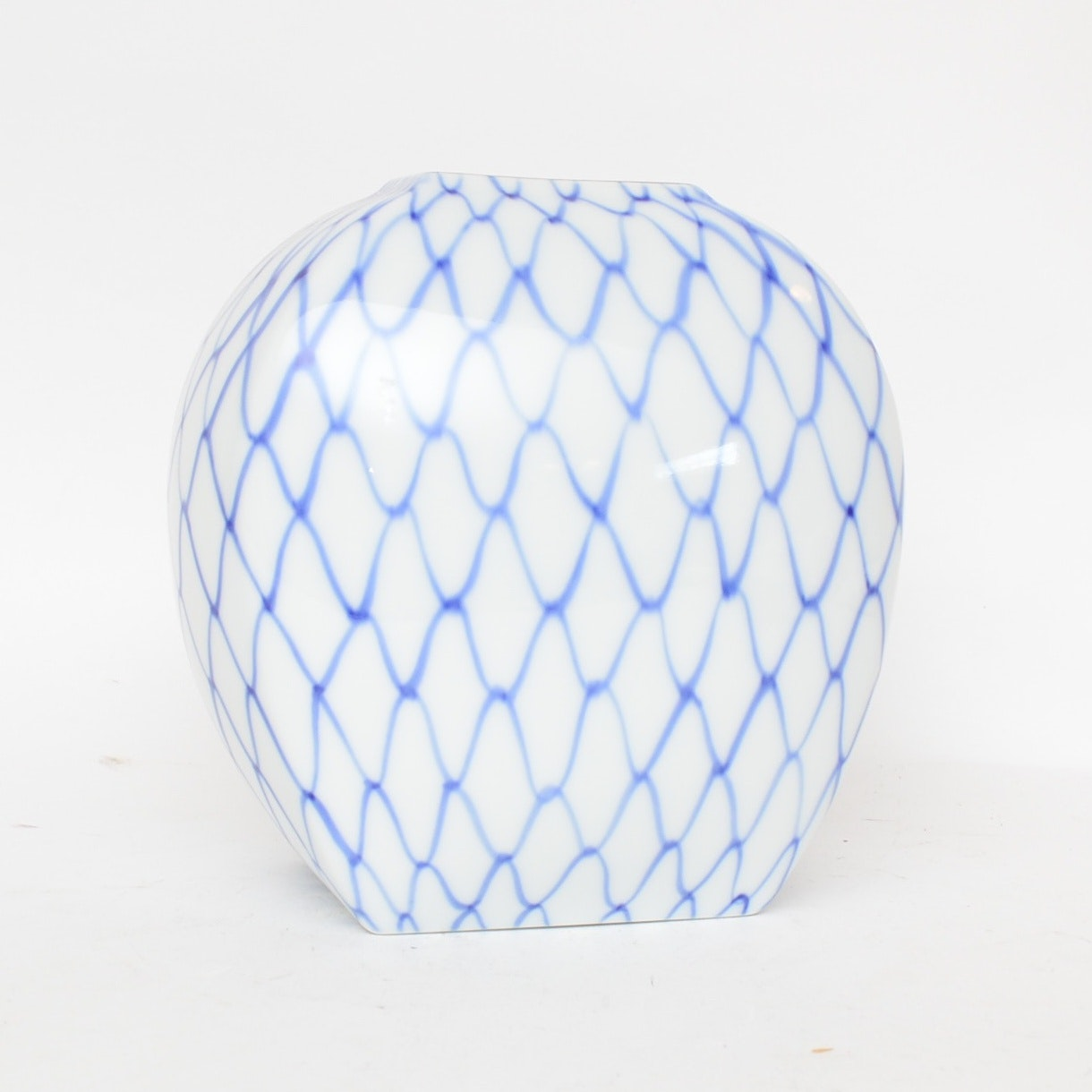 Japanese Fujikawa Blue and White Porcelain Vase