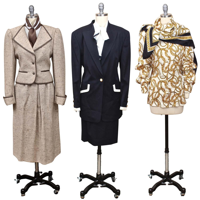 Vintage Women S Clothing Auction Women S Designer Fashion Sale Ebth