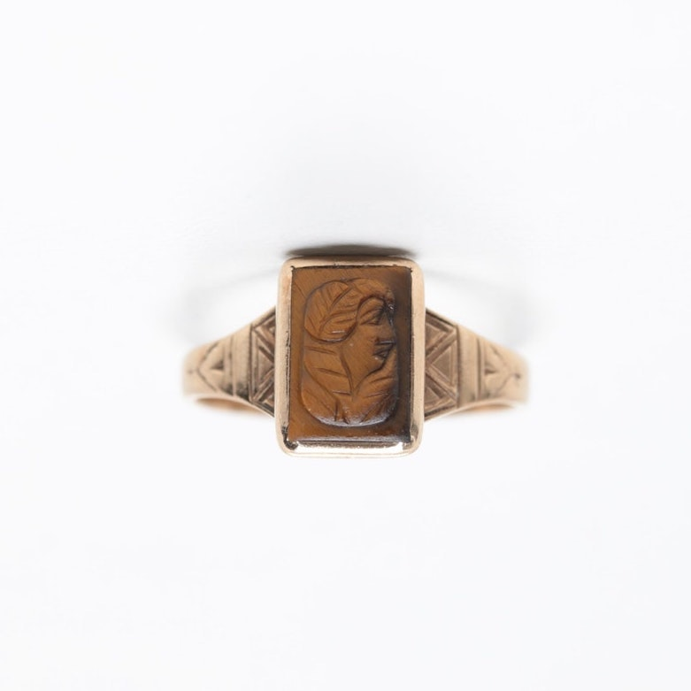 Victorian 10K Yellow Gold Tiger's Eye Cameo Ring