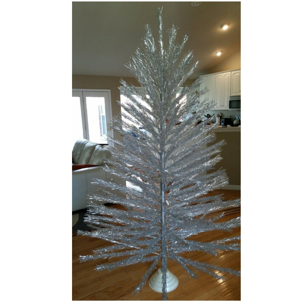 7' Aluminum Christmas Tree