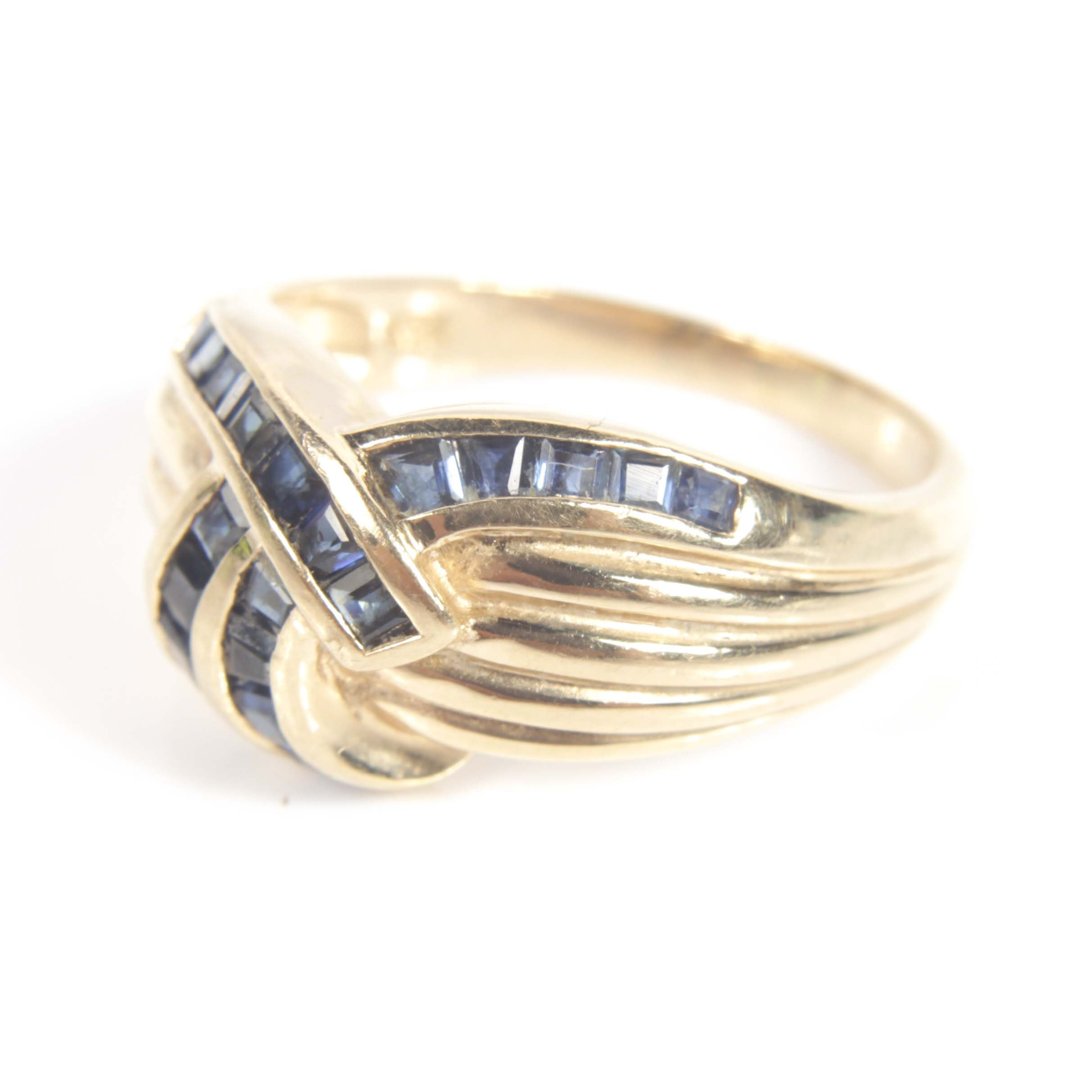 14K Yellow Gold and 1.00 CTW Sapphire Overlapping Ring