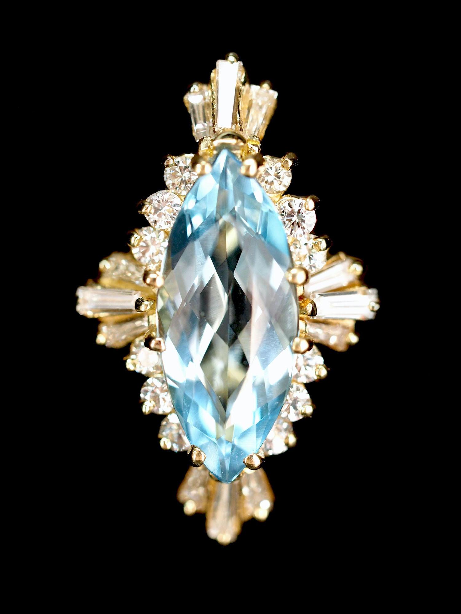 18K Yellow Gold 2.30 CT Aquamarine and Diamond Ring