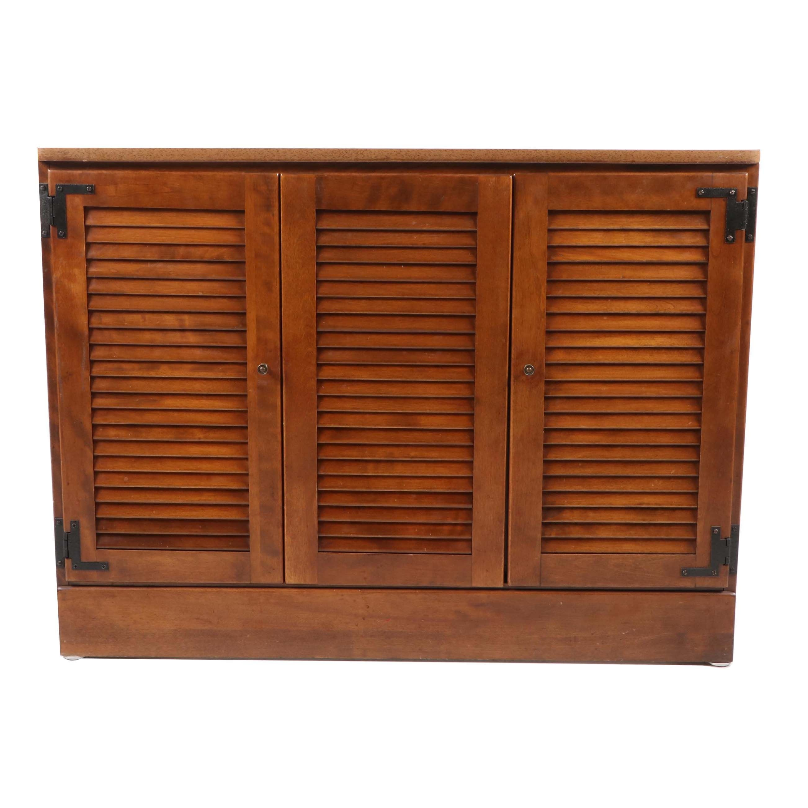 Nutmeg Finish Wooden Buffet by Ethan Allen, 20th Century