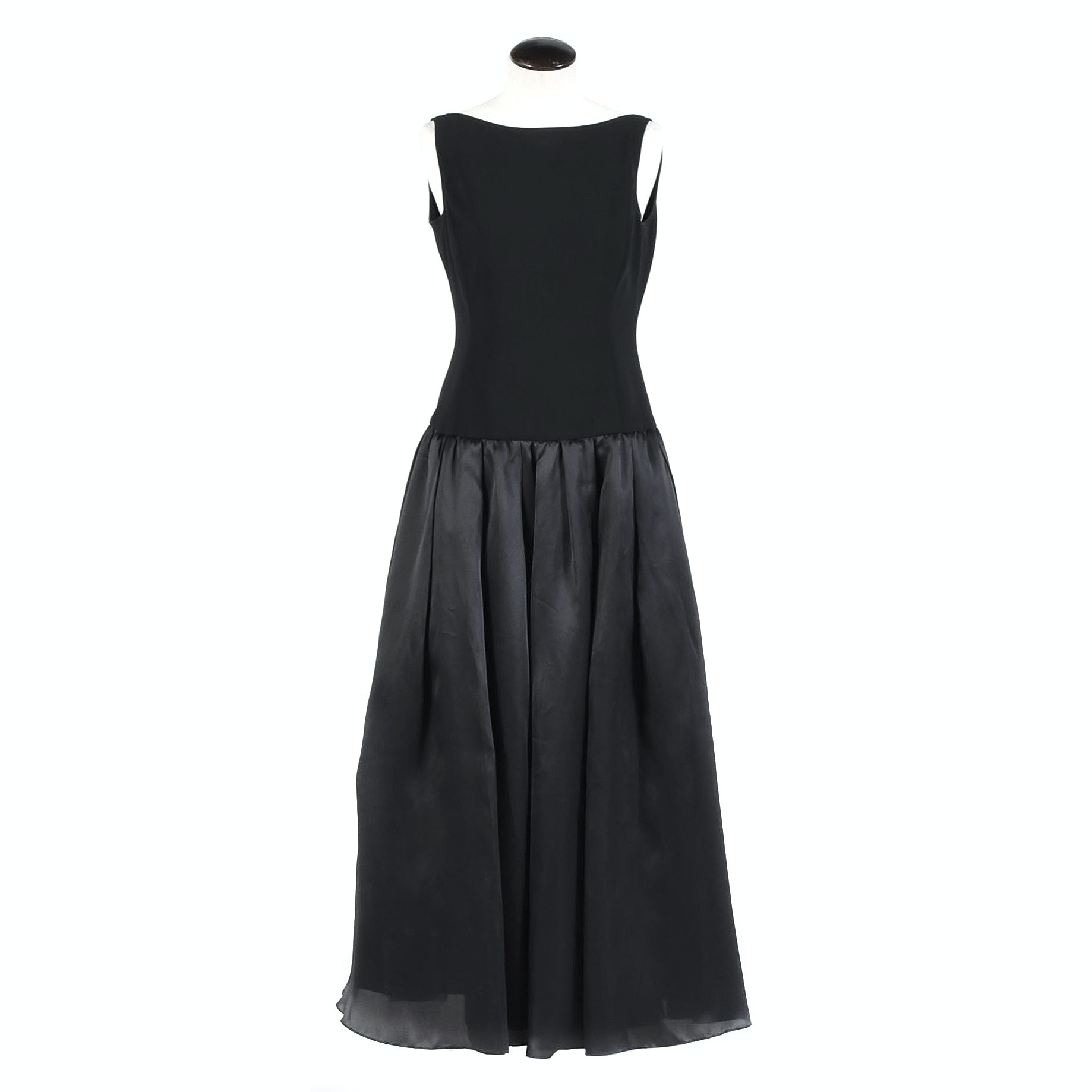 St. John Couture Black Sleeveless Gown