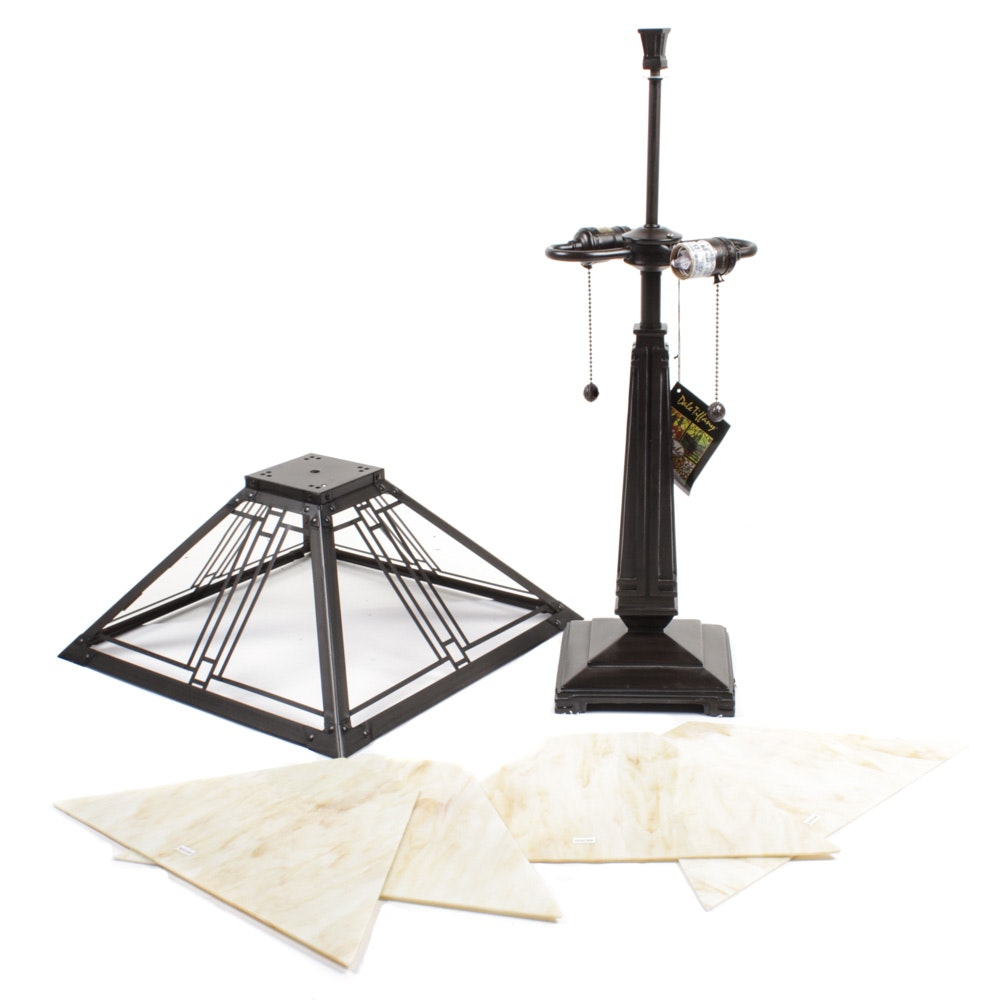 Dale Tiffany Arts and Crafts Style Slag Glass Table Lamp