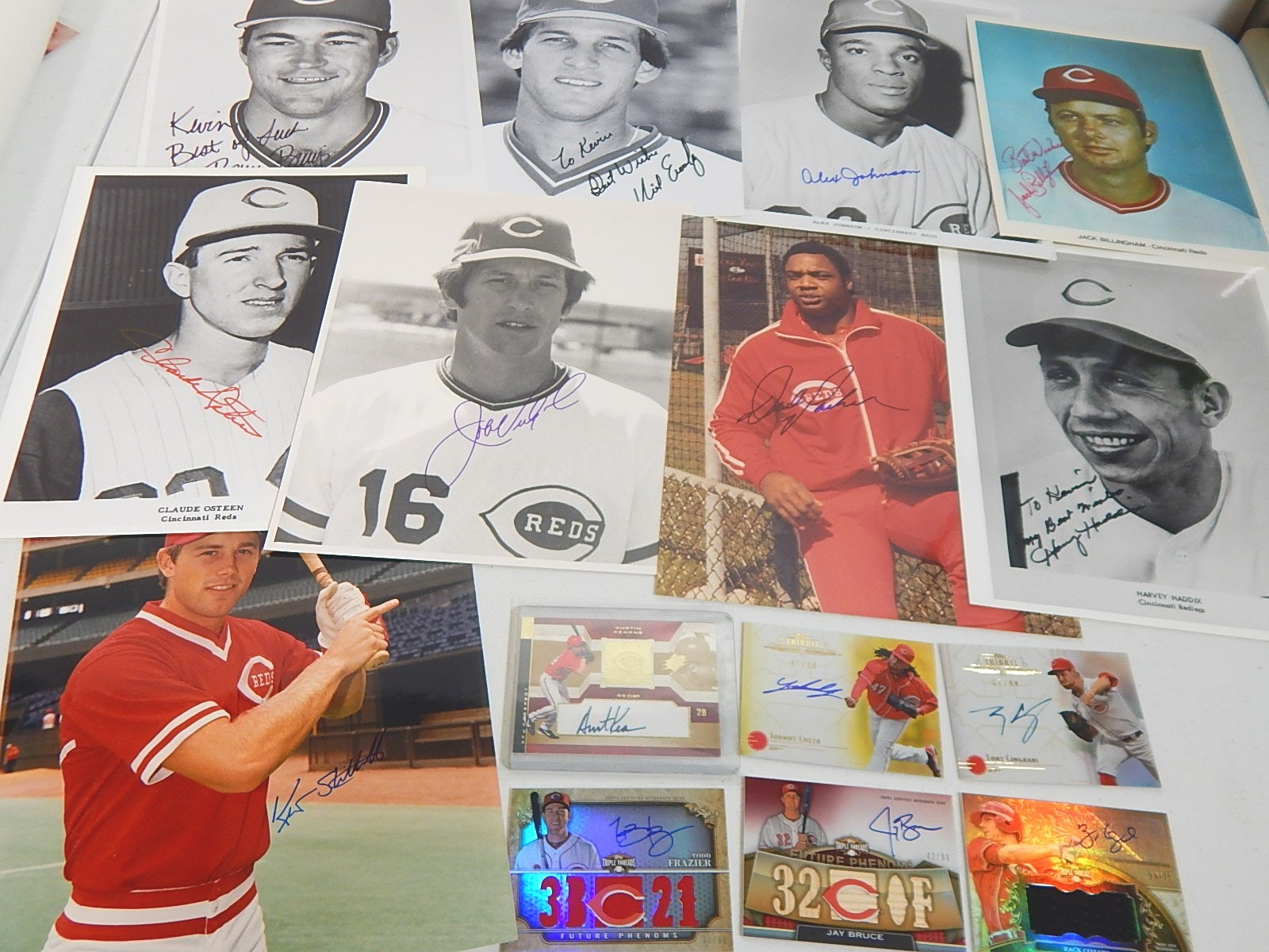 Cincinnati Reds Signed Photographs and Baseball Cards