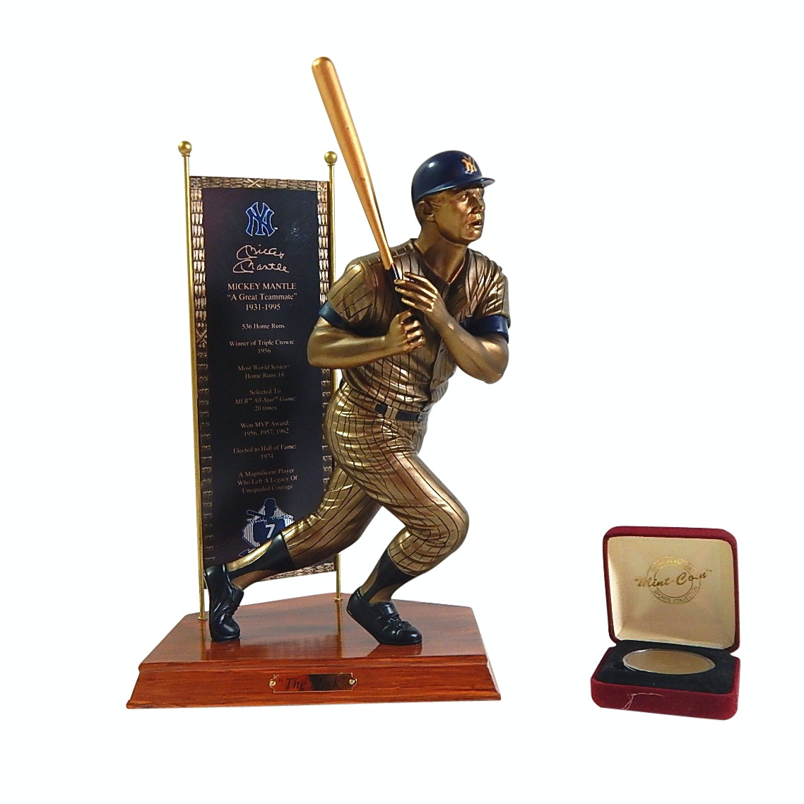 HOF Mickey Mantle Bradford Exchange Statue and Limited Highland Mint Medallion