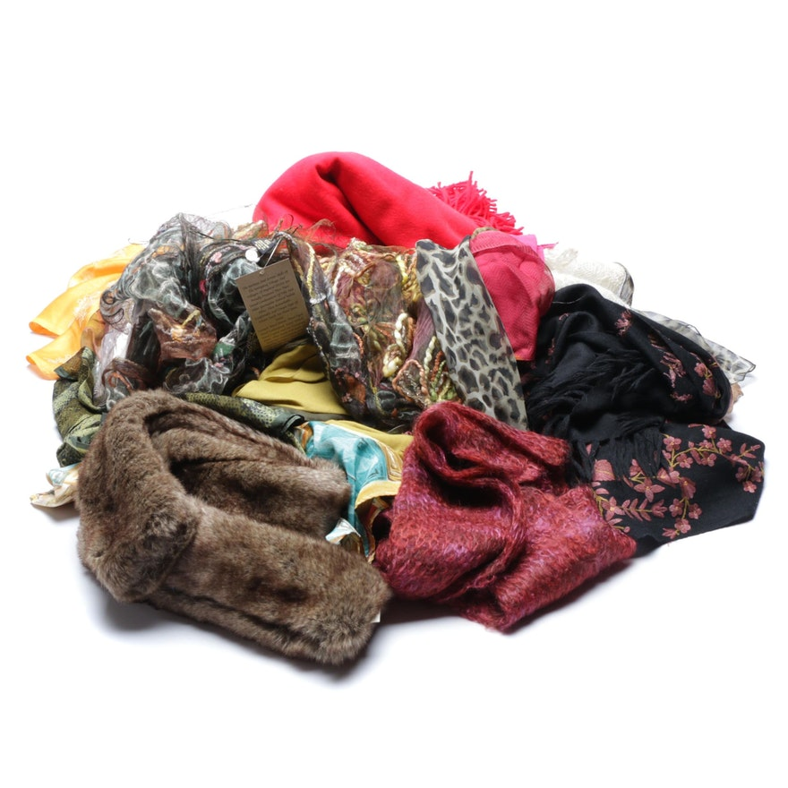 dece39504d92 Women s Designer and Fashion Scarves including Carlisle   EBTH