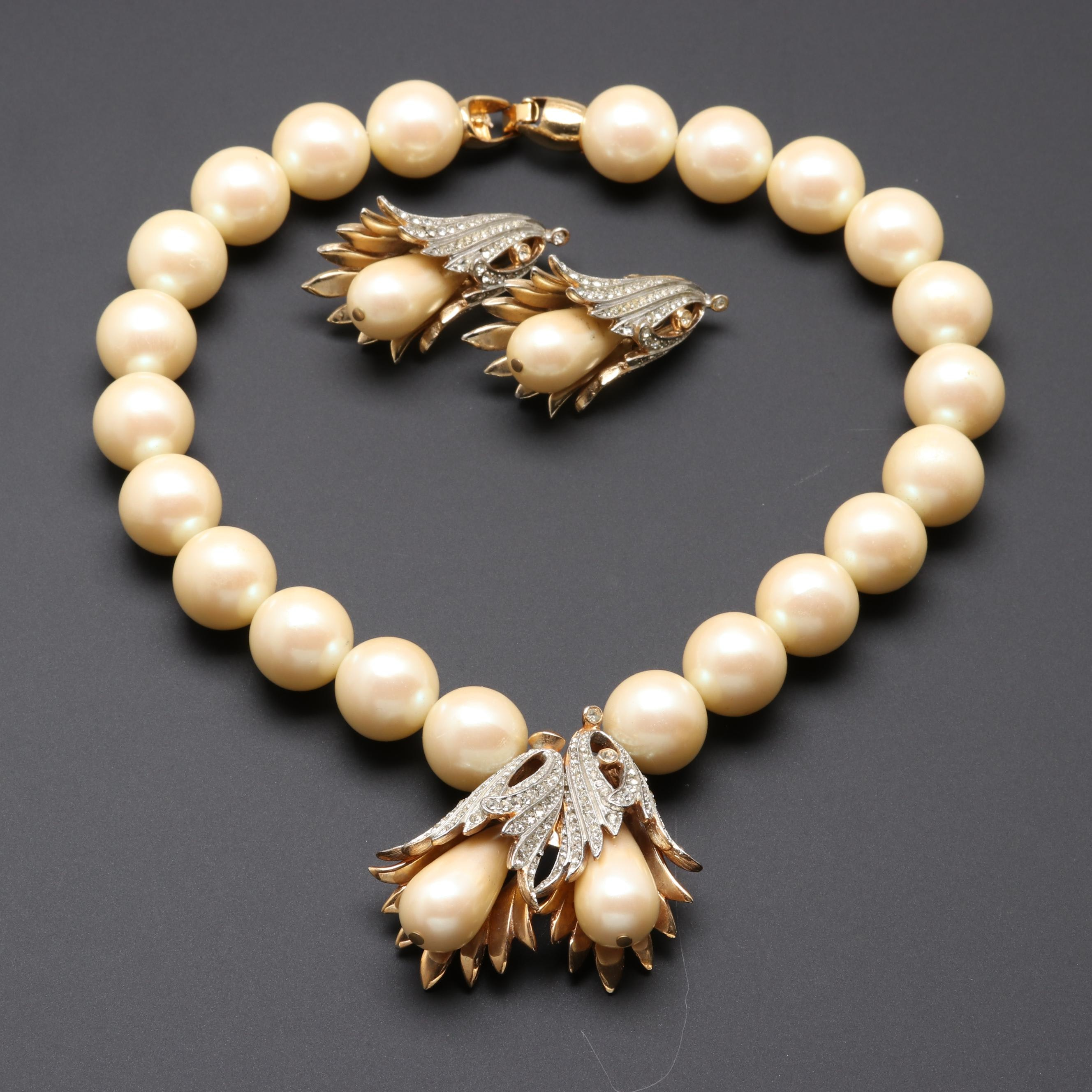 Gold Tone Glass Crystal and Imitation Pearl Necklace and Earring Set