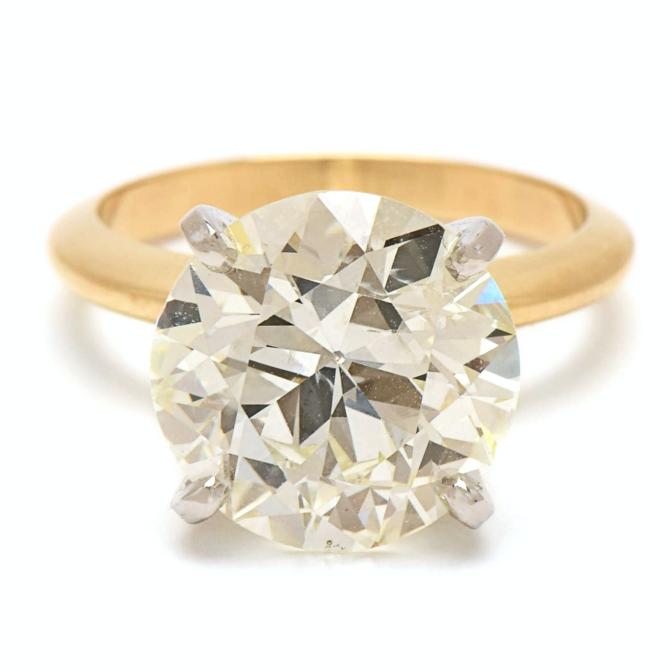 18K Yellow Gold 6.15 CT Circular Brilliant Cut Diamond Ring with Platinum Head