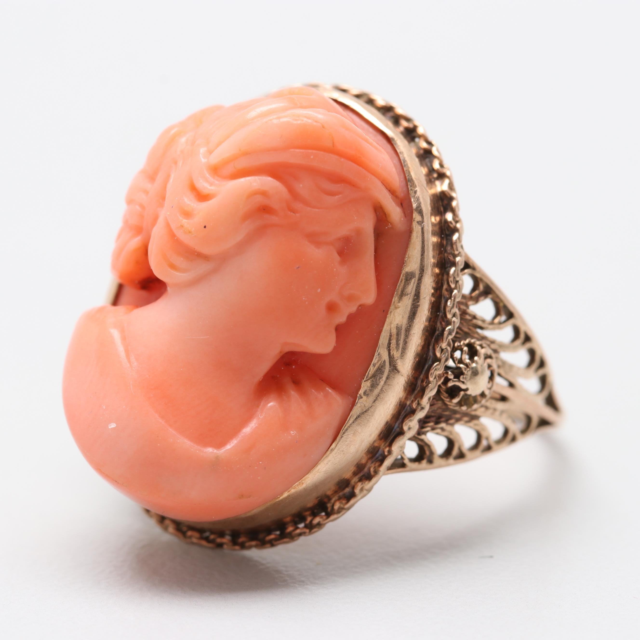 Vintage 10K Yellow Gold Coral Ring