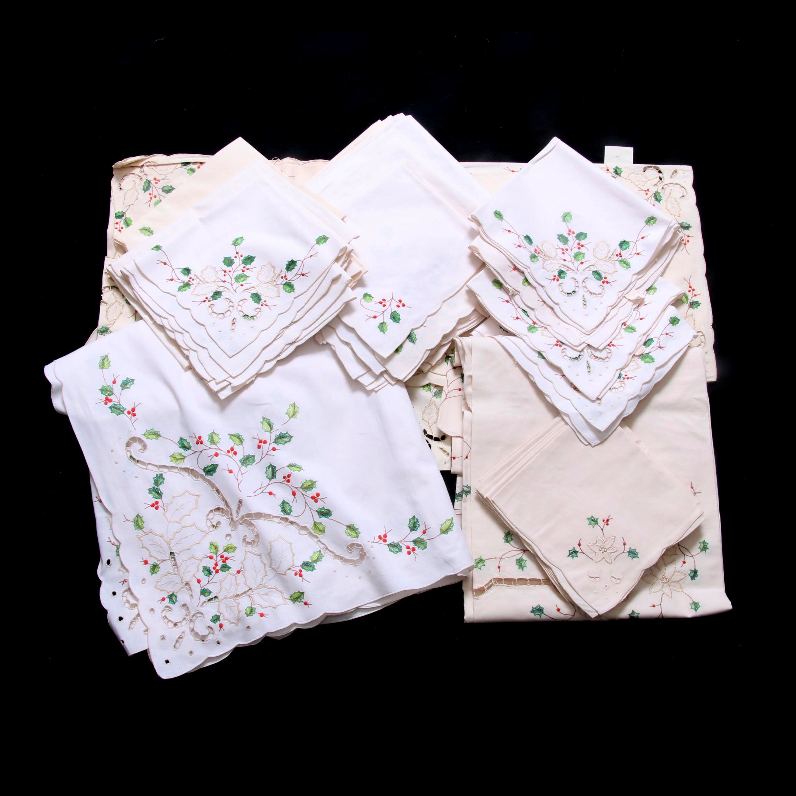 """Lenox """"Christmas Holly"""" Table Linens by SunWeave"""