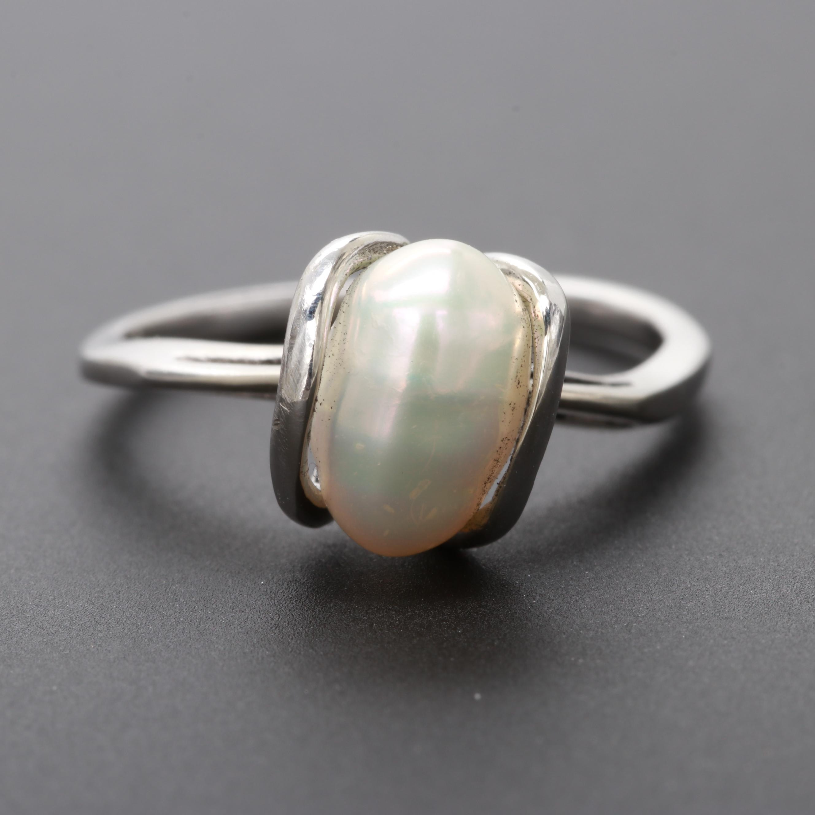 14K White Gold Cultured Pearl Ring