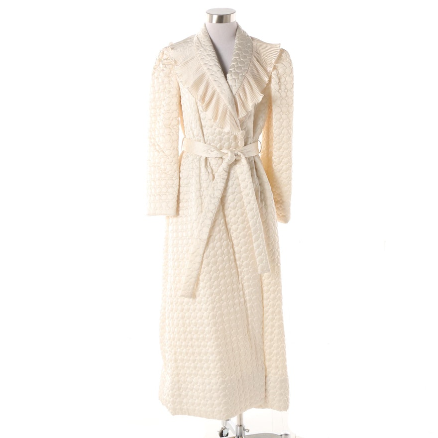 7d384a2336 Women s 1980s Vintage Lanvin White Quilted Robe with Ruffled Plissé Collar    EBTH