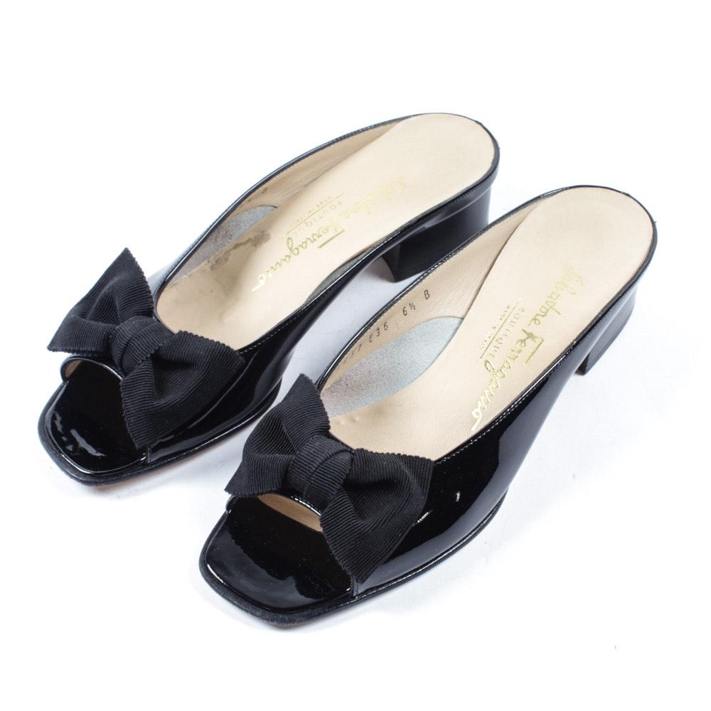 Salvatore Ferragamo Boutique Black Patent Leather Peep-Toe Slides with Bows