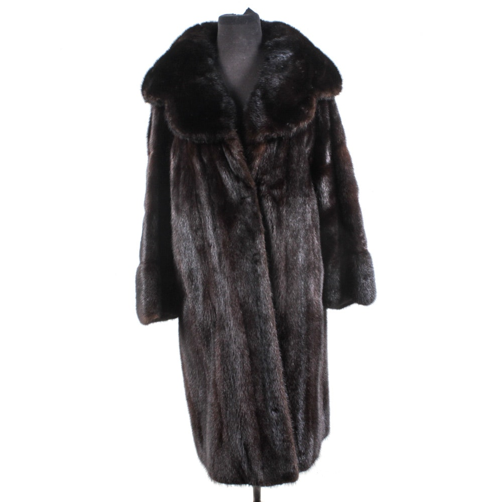 F. D. Italian Mode Dark Mahogany Mink Fur Coat