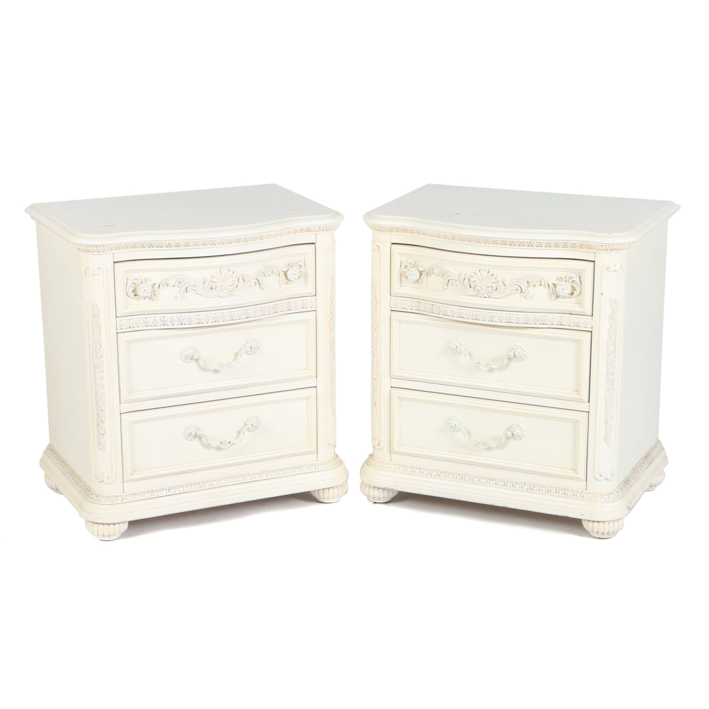 Pair of Contemporary Cream-Painted Bedside Chests of Drawers
