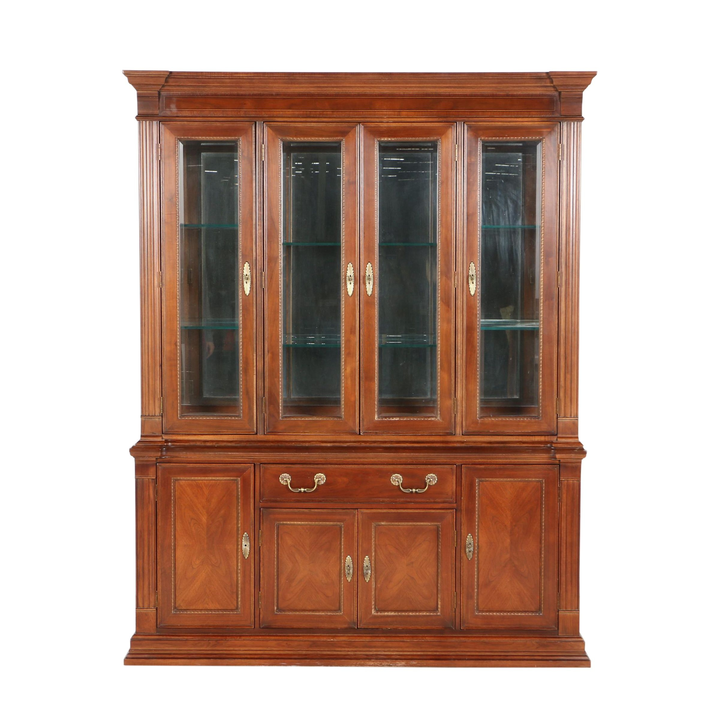 Georgian Style Mahogany Two-Piece China Cabinet by Bernhardt, 20th Century